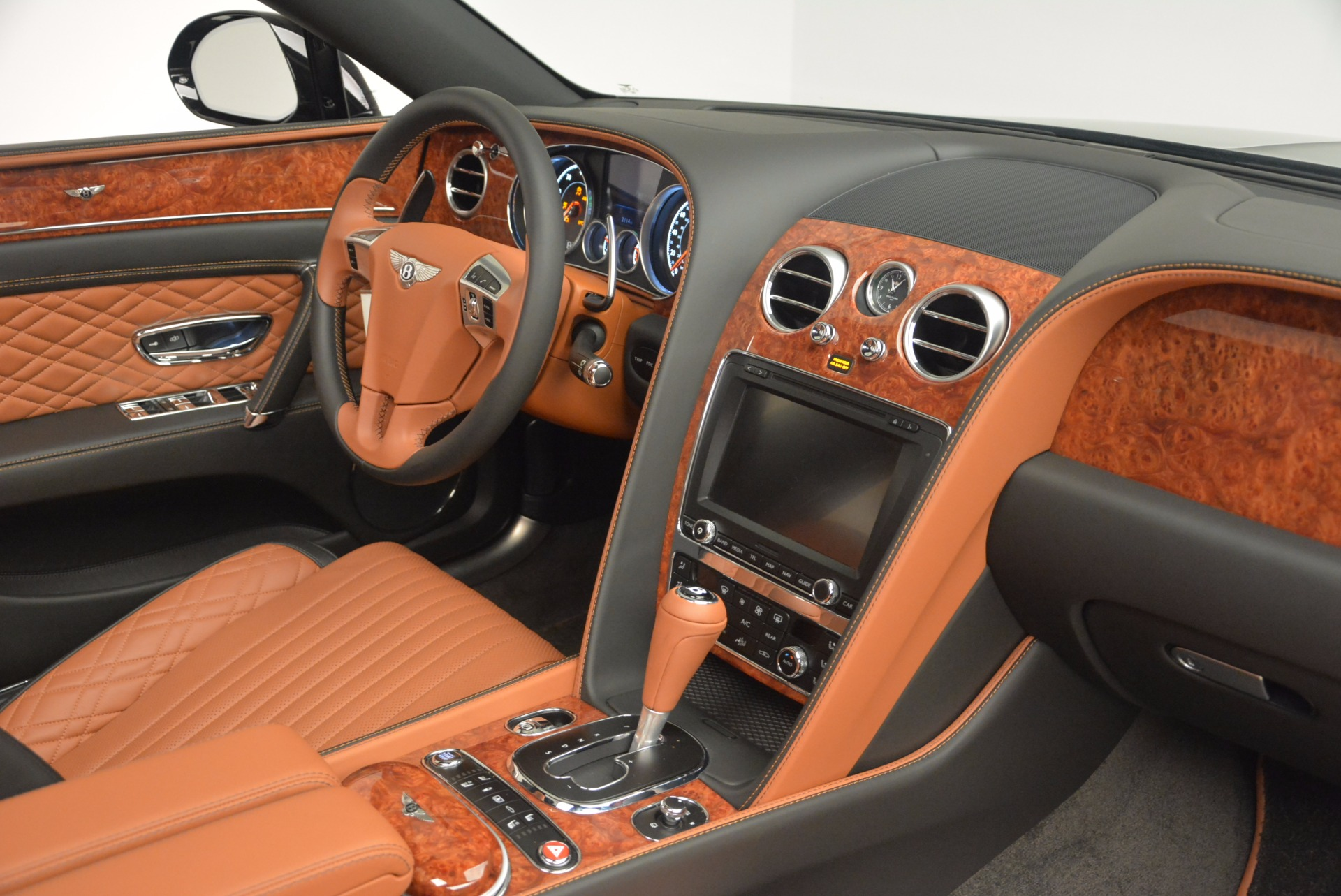 New 2017 Bentley Flying Spur W12 For Sale In Greenwich, CT. Alfa Romeo of Greenwich, B1304 1616_p47