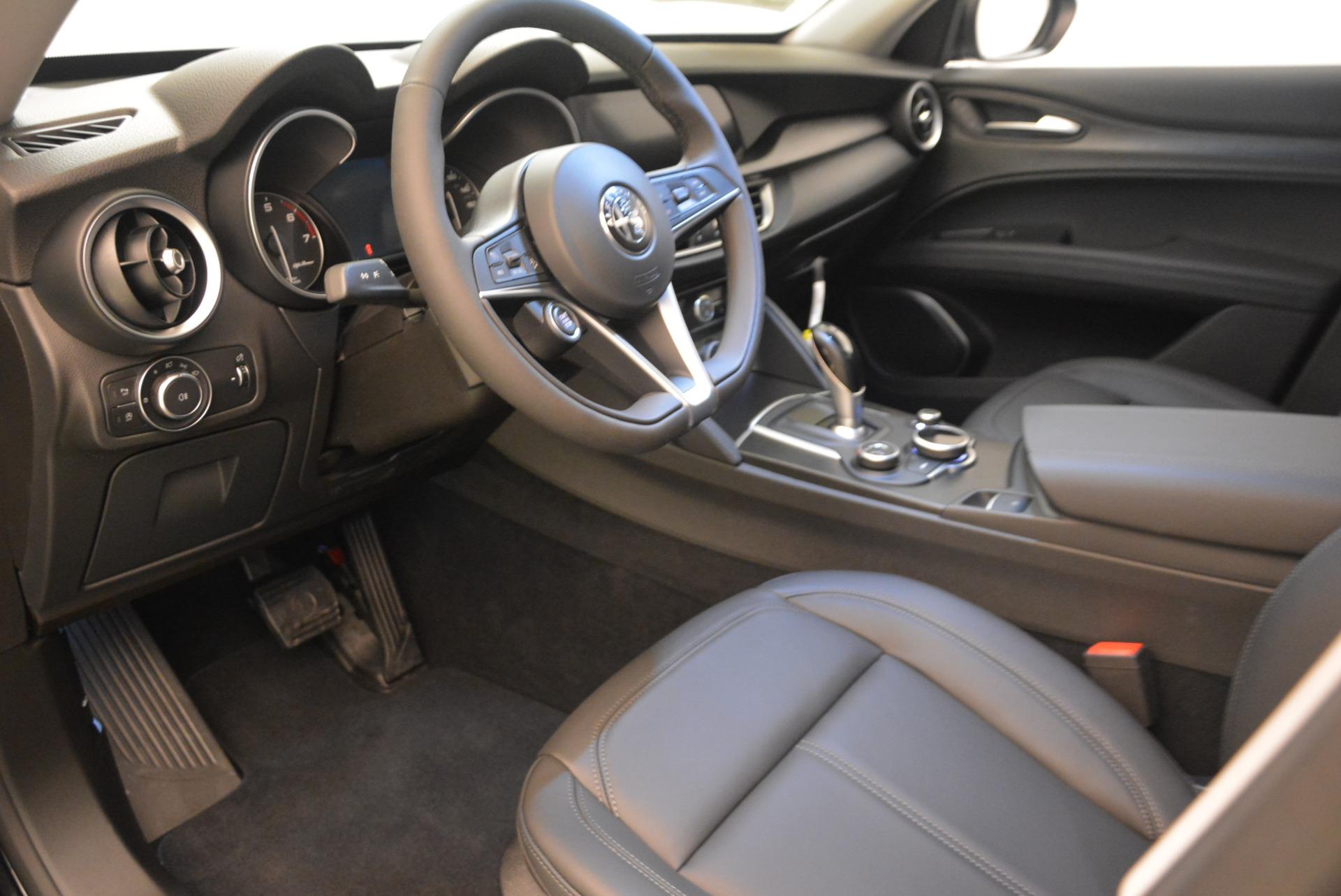 New 2018 Alfa Romeo Stelvio Q4 For Sale In Greenwich, CT. Alfa Romeo of Greenwich, LW050 1619_p3