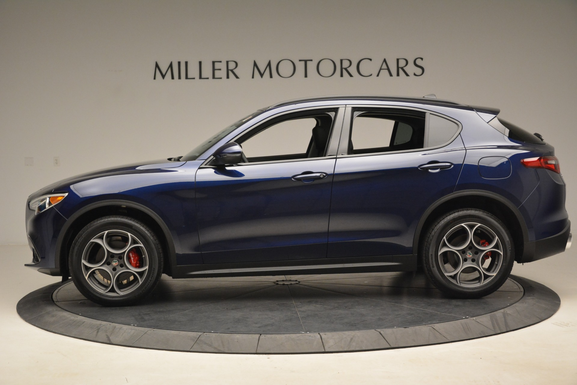 New 2018 Alfa Romeo Stelvio Sport Q4 For Sale In Greenwich, CT. Alfa Romeo of Greenwich, LW051 1620_p3
