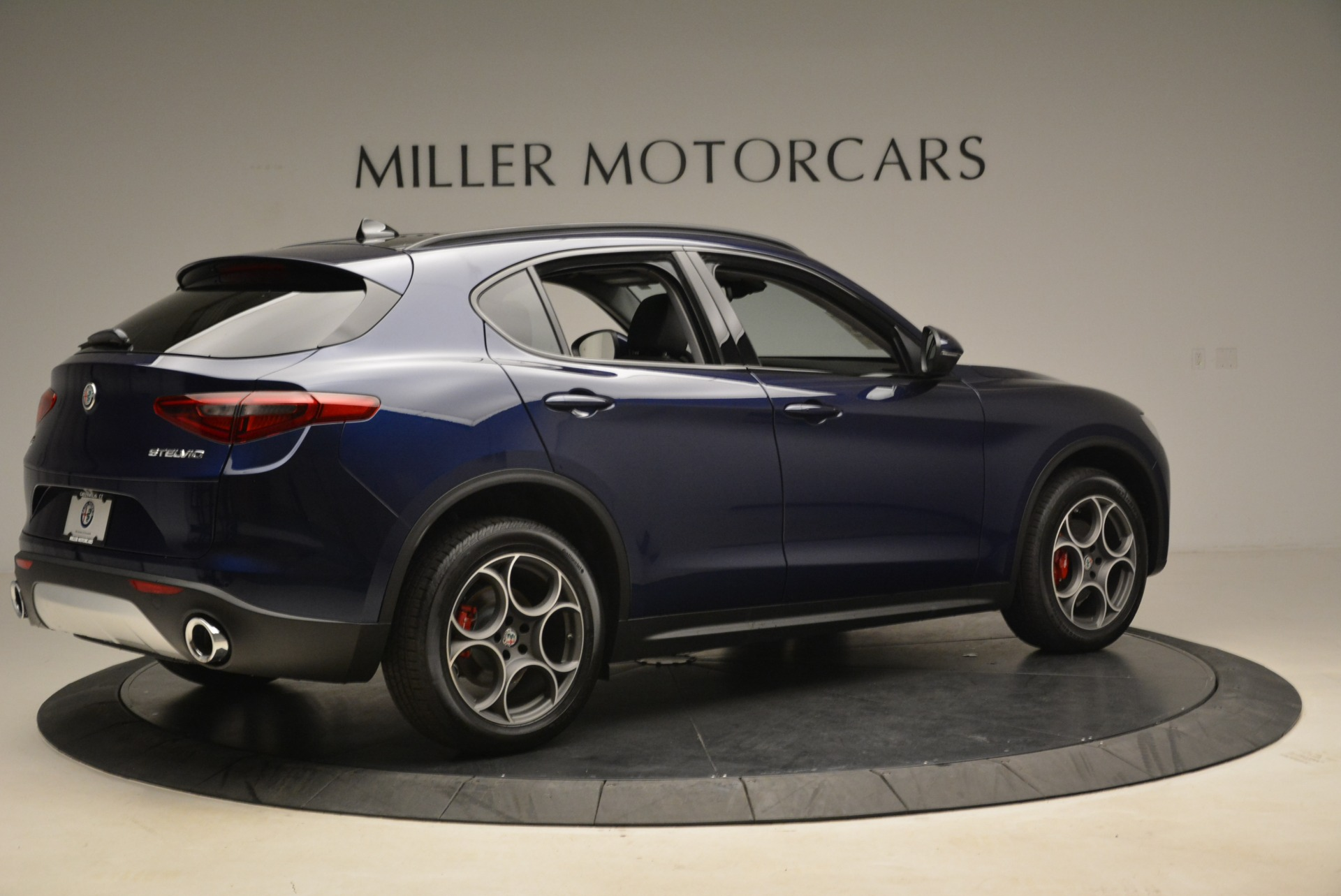 New 2018 Alfa Romeo Stelvio Sport Q4 For Sale In Greenwich, CT. Alfa Romeo of Greenwich, LW051 1620_p8