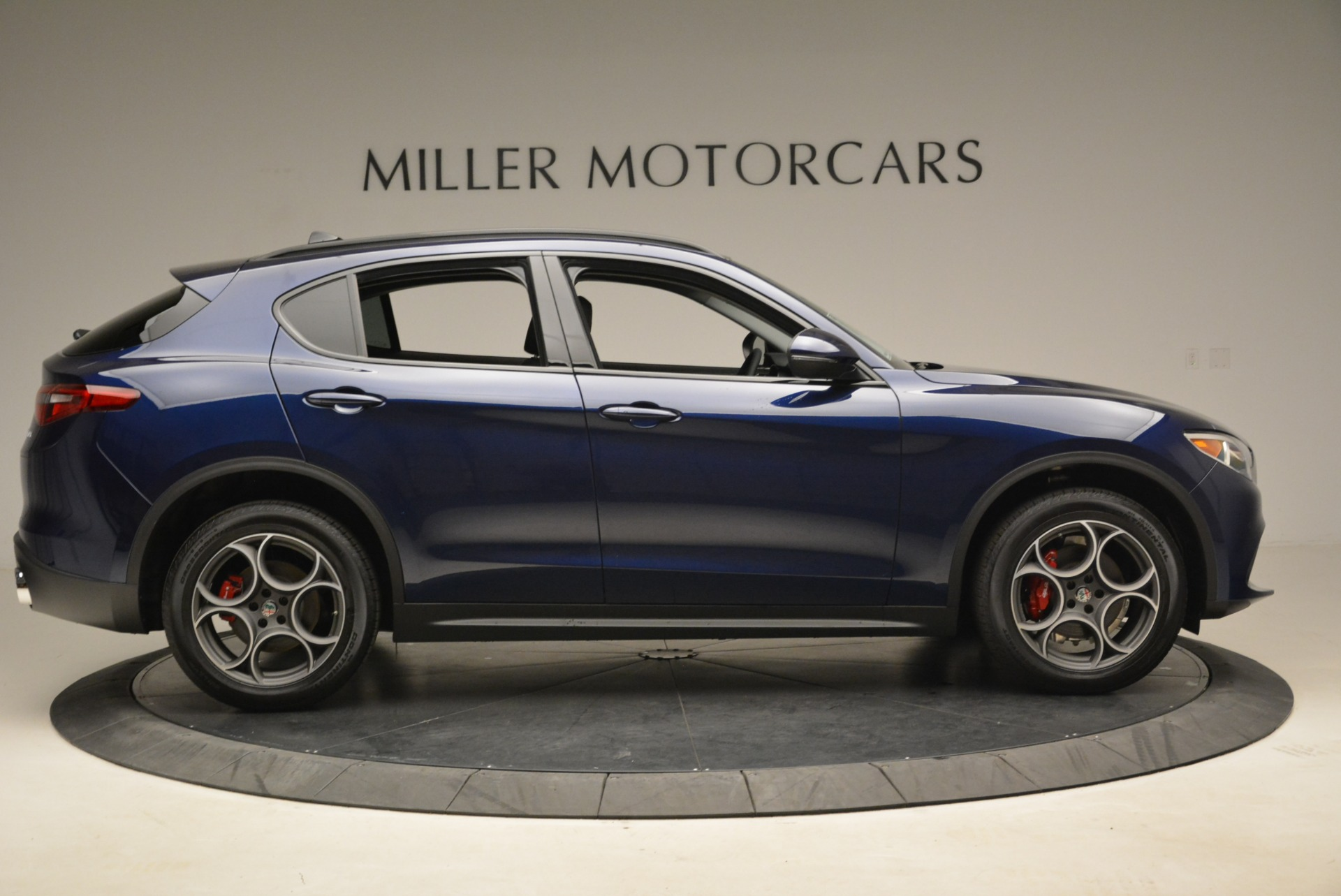 New 2018 Alfa Romeo Stelvio Sport Q4 For Sale In Greenwich, CT. Alfa Romeo of Greenwich, LW051 1620_p9