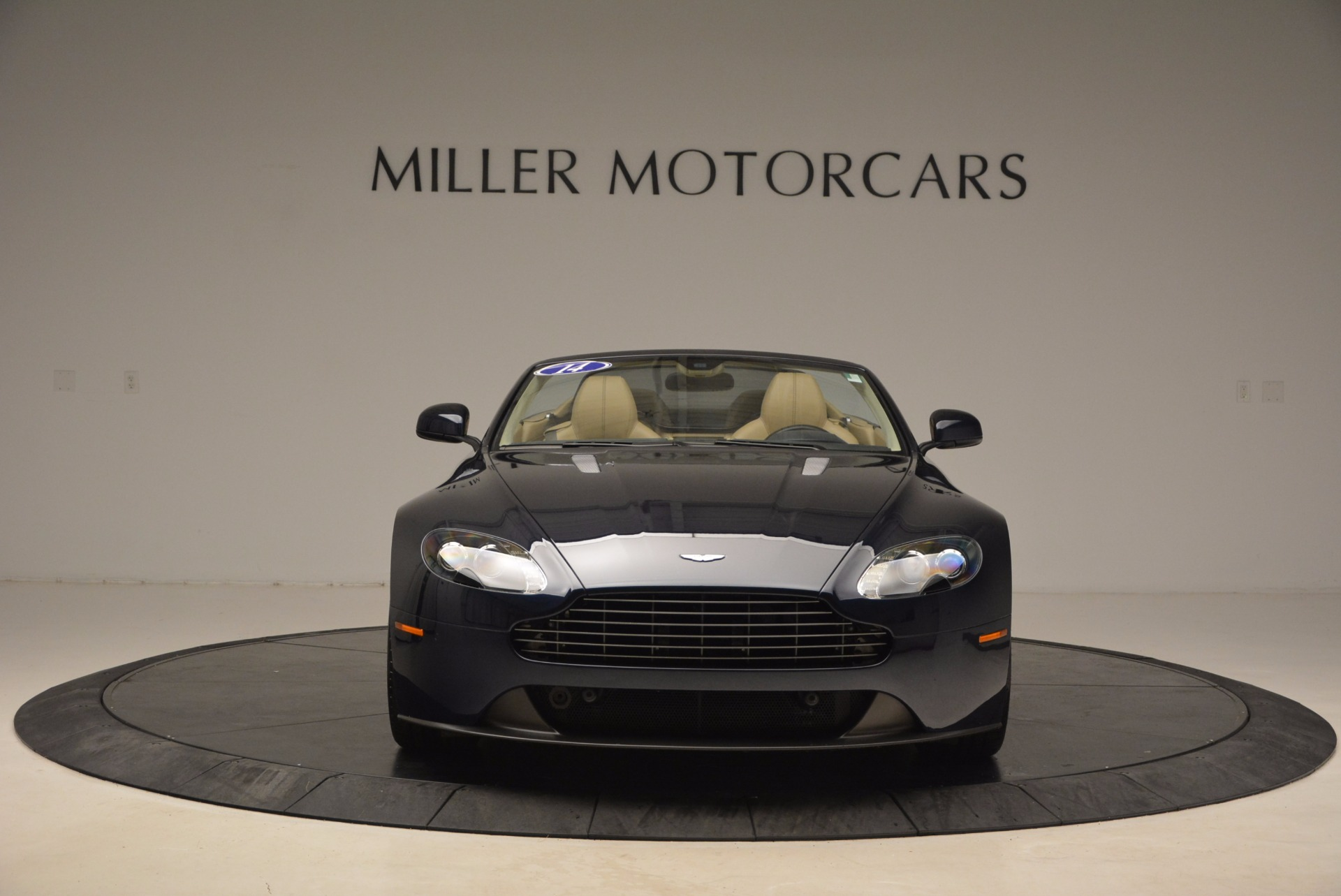 Used 2014 Aston Martin V8 Vantage Roadster For Sale In Greenwich, CT. Alfa Romeo of Greenwich, 7282 1623_p12