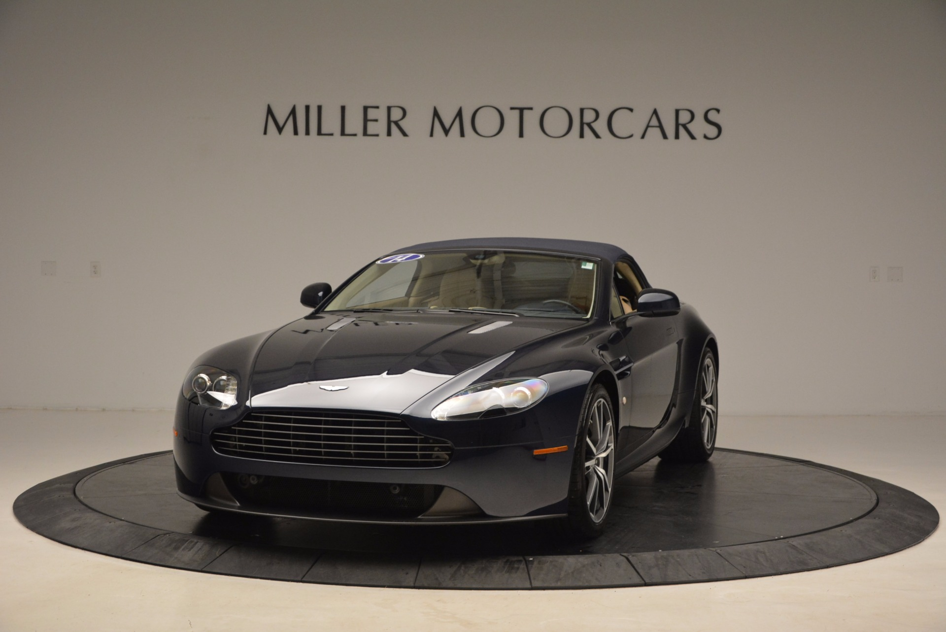 Used 2014 Aston Martin V8 Vantage Roadster For Sale In Greenwich, CT. Alfa Romeo of Greenwich, 7282 1623_p13