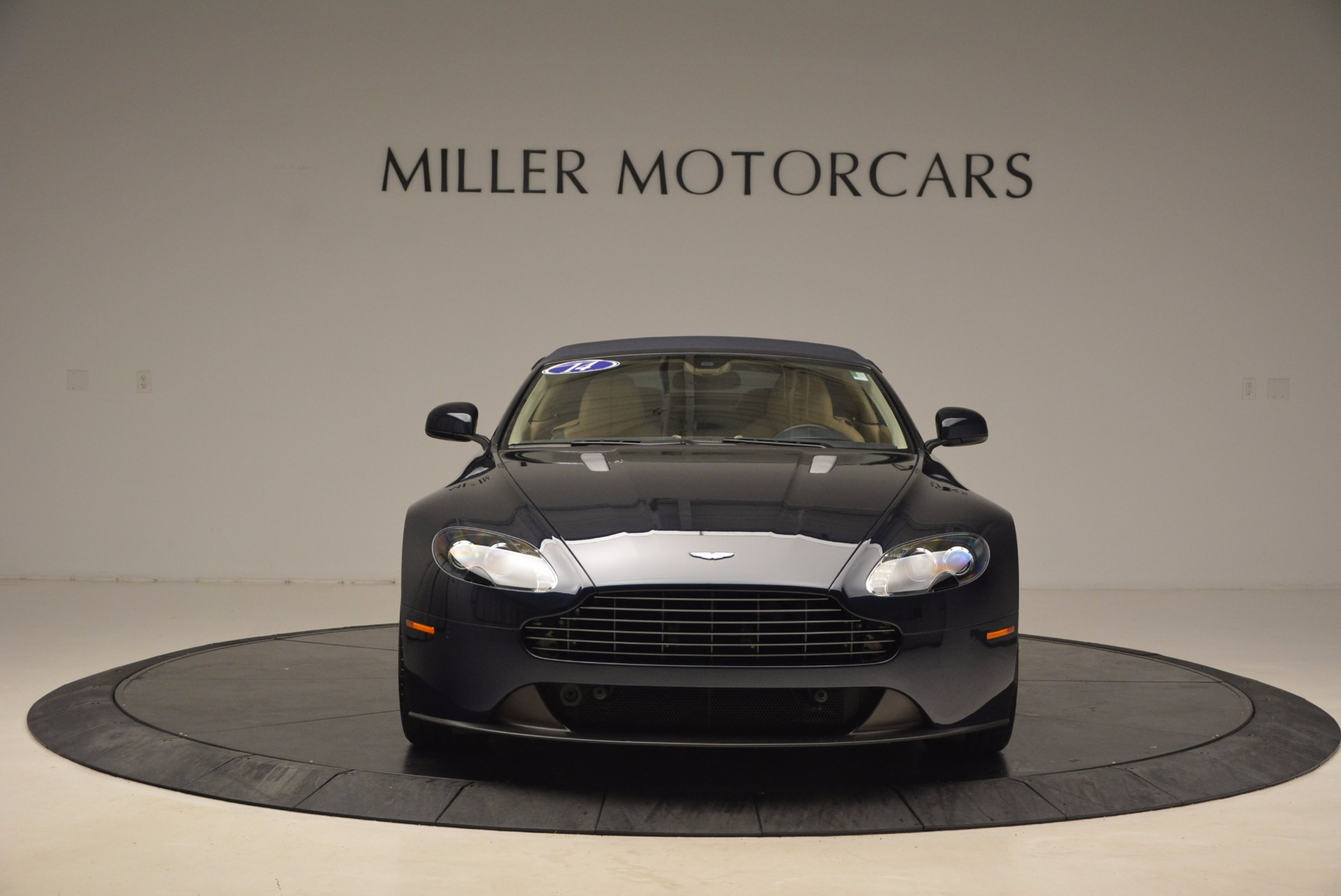 Used 2014 Aston Martin V8 Vantage Roadster For Sale In Greenwich, CT. Alfa Romeo of Greenwich, 7282 1623_p19