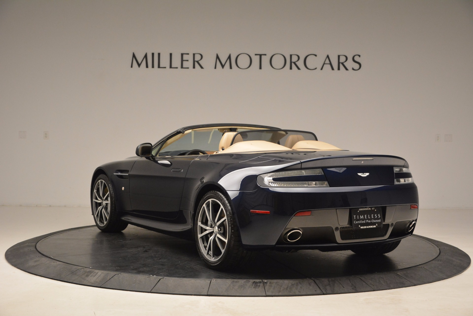 Used 2014 Aston Martin V8 Vantage Roadster For Sale In Greenwich, CT. Alfa Romeo of Greenwich, 7282 1623_p5