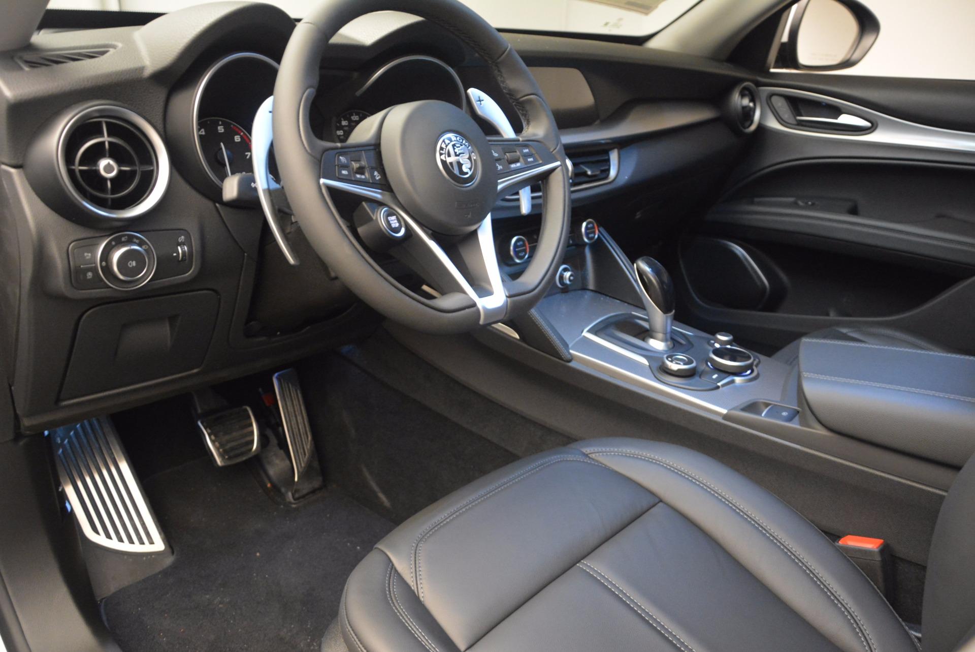 New 2018 Alfa Romeo Stelvio Sport Q4 For Sale In Greenwich, CT. Alfa Romeo of Greenwich, L241 1627_p13
