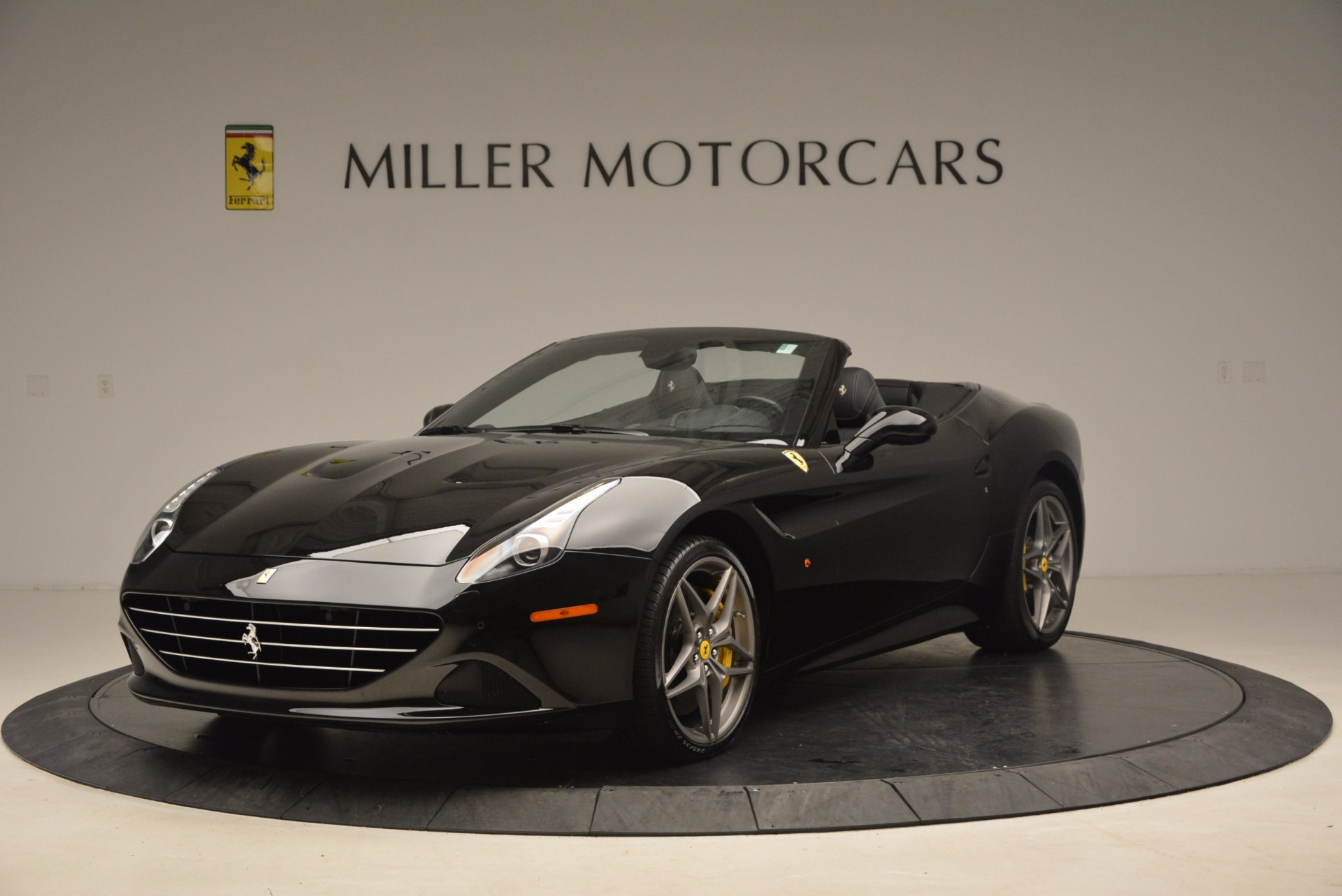 Used 2016 Ferrari California T  For Sale In Greenwich, CT. Alfa Romeo of Greenwich, 4425