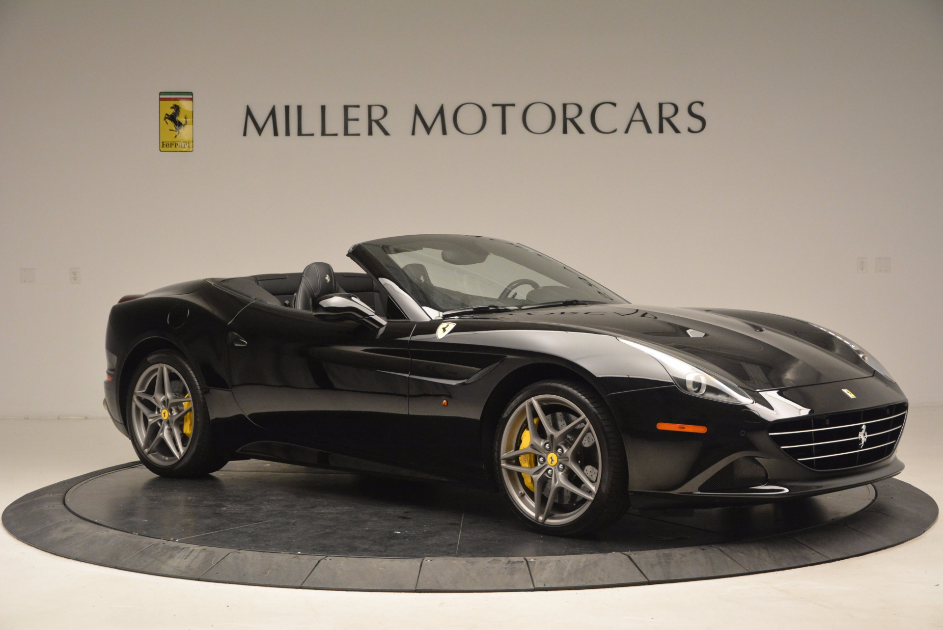 Used 2016 Ferrari California T  For Sale In Greenwich, CT. Alfa Romeo of Greenwich, 4425 1630_p10