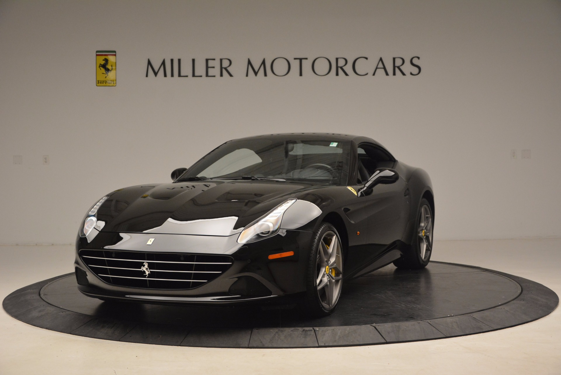 Used 2016 Ferrari California T  For Sale In Greenwich, CT. Alfa Romeo of Greenwich, 4425 1630_p13