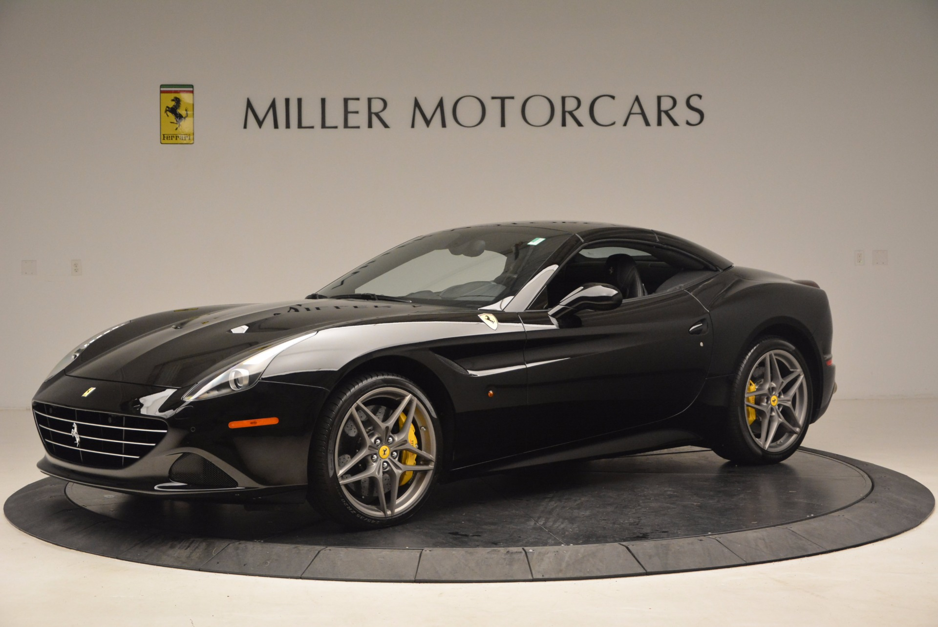 Used 2016 Ferrari California T  For Sale In Greenwich, CT. Alfa Romeo of Greenwich, 4425 1630_p14