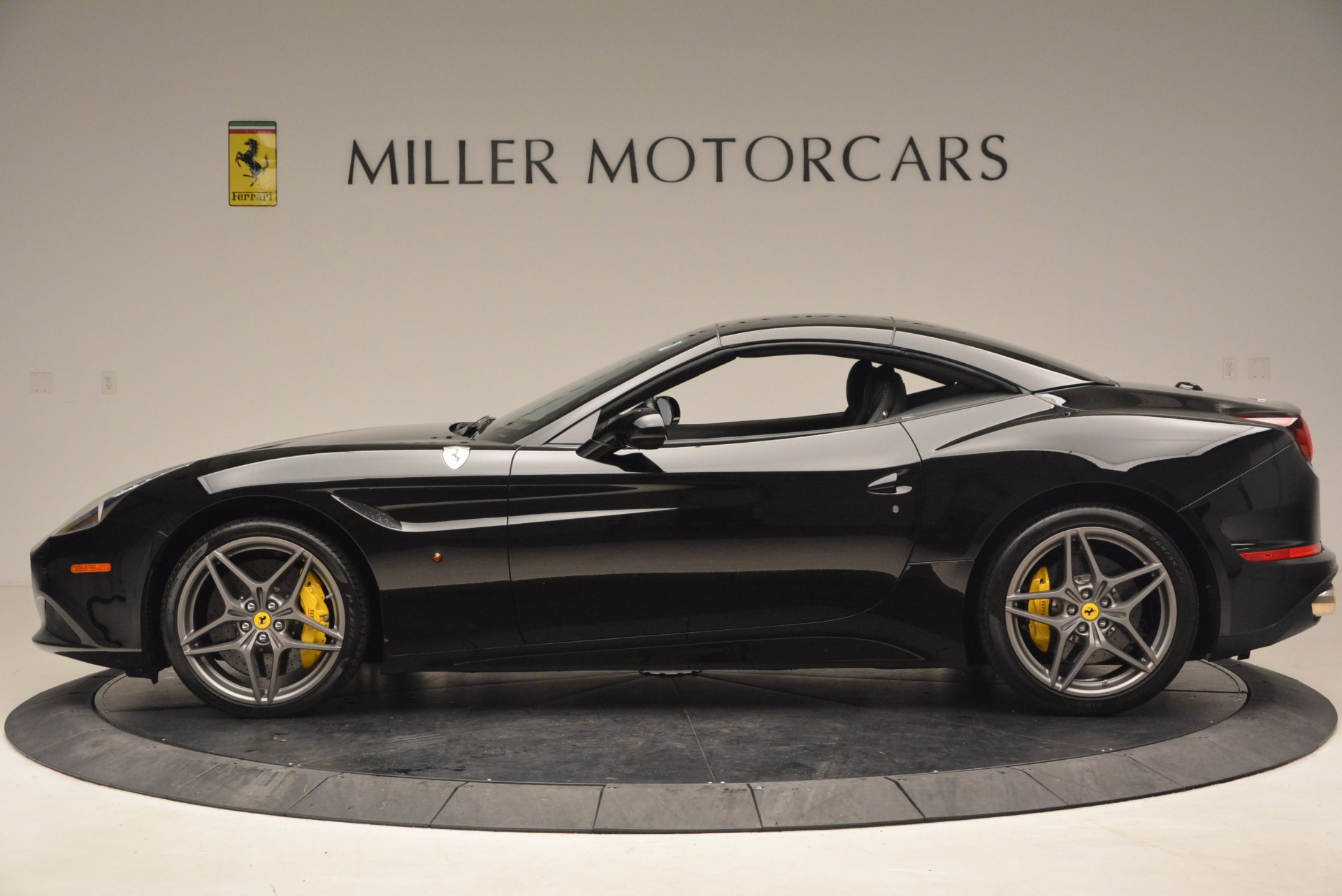 Used 2016 Ferrari California T  For Sale In Greenwich, CT. Alfa Romeo of Greenwich, 4425 1630_p15