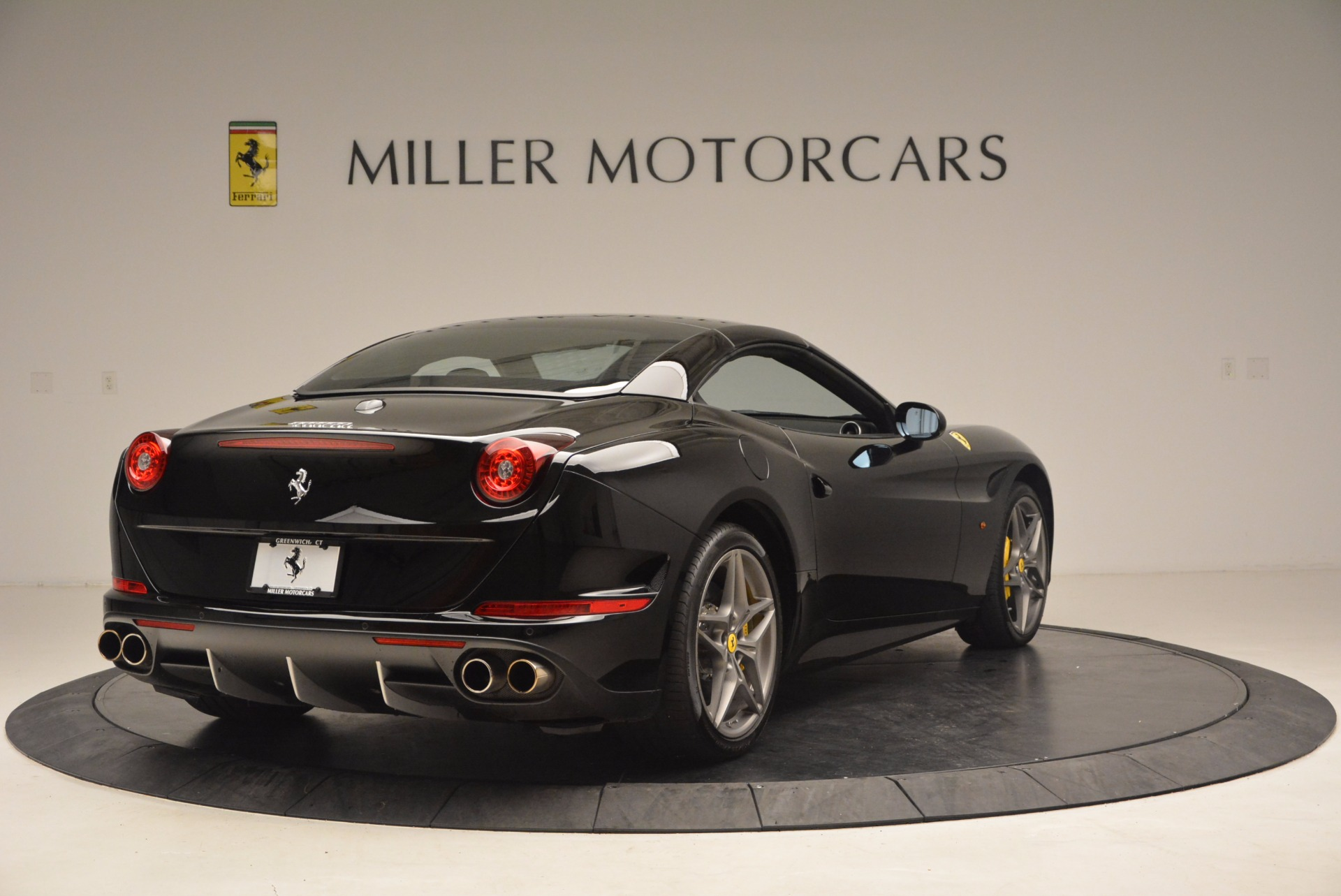 Used 2016 Ferrari California T  For Sale In Greenwich, CT. Alfa Romeo of Greenwich, 4425 1630_p19