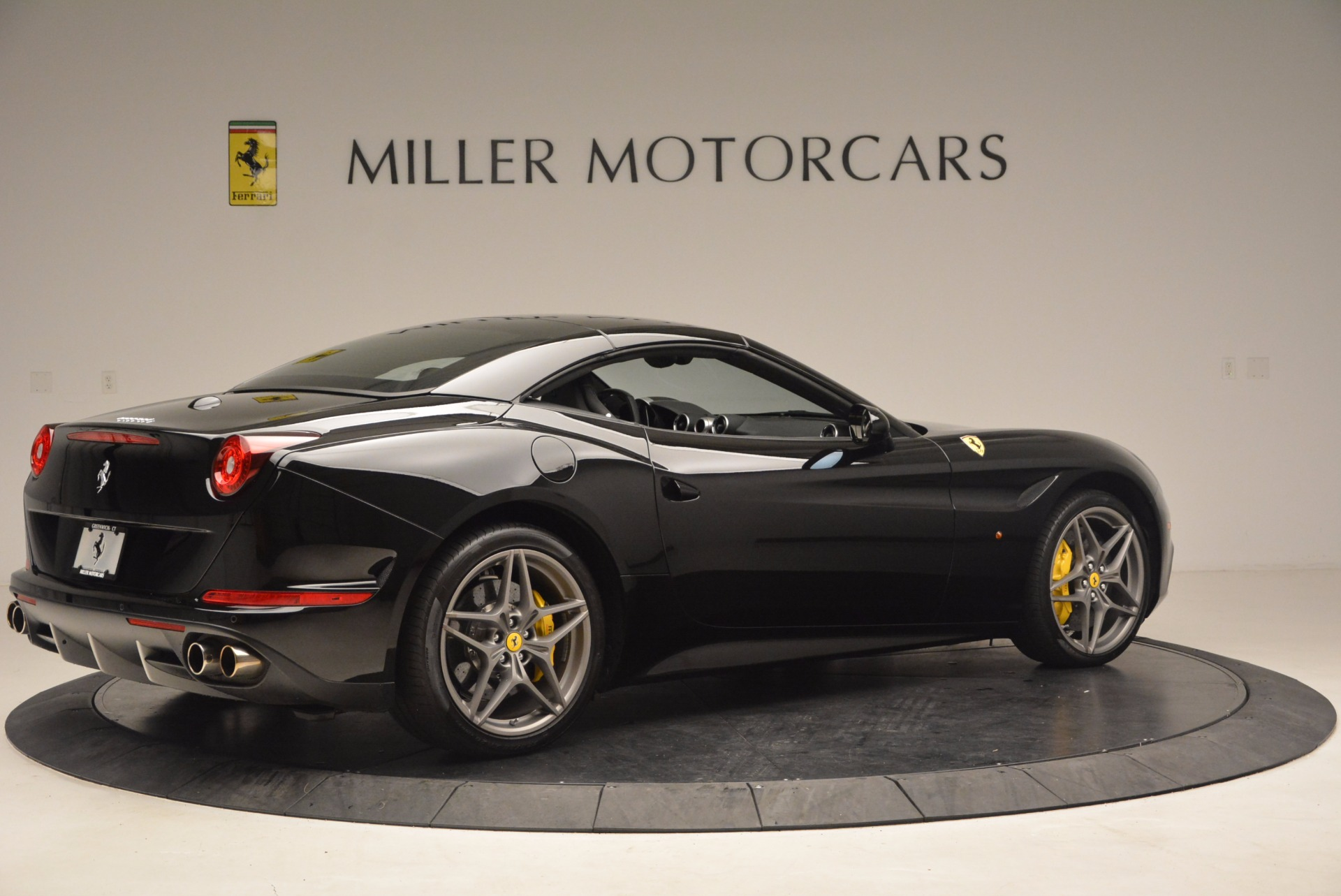 Used 2016 Ferrari California T  For Sale In Greenwich, CT. Alfa Romeo of Greenwich, 4425 1630_p20