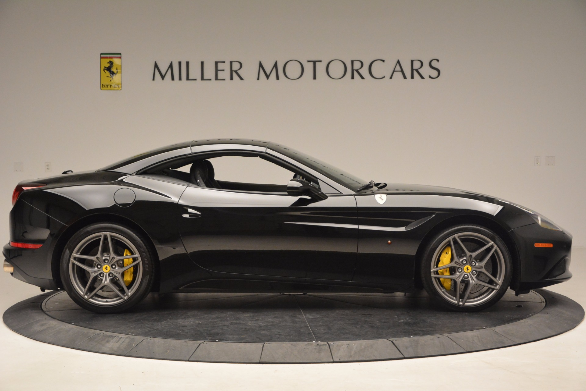 Used 2016 Ferrari California T  For Sale In Greenwich, CT. Alfa Romeo of Greenwich, 4425 1630_p21