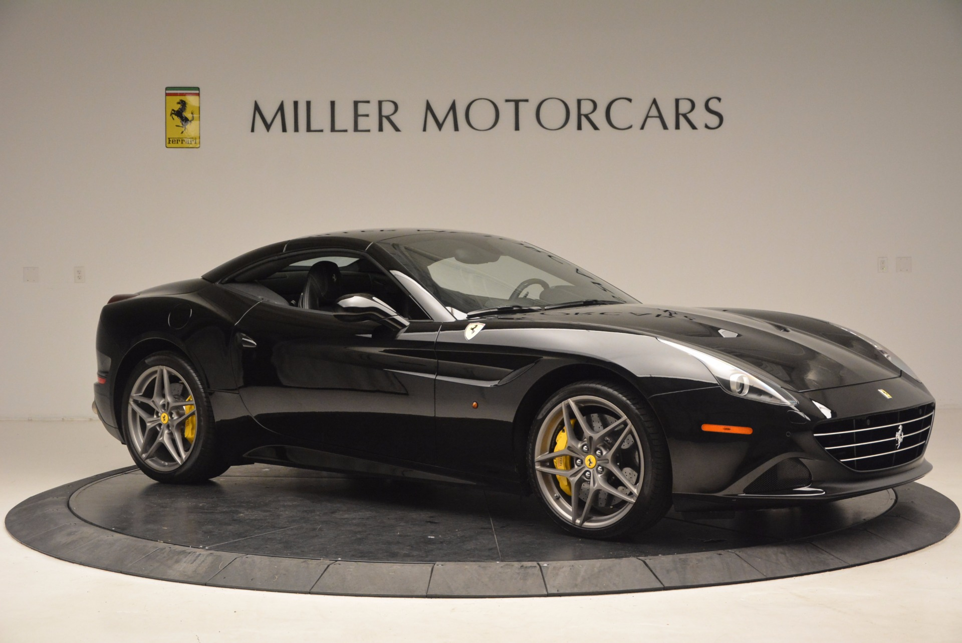Used 2016 Ferrari California T  For Sale In Greenwich, CT. Alfa Romeo of Greenwich, 4425 1630_p22
