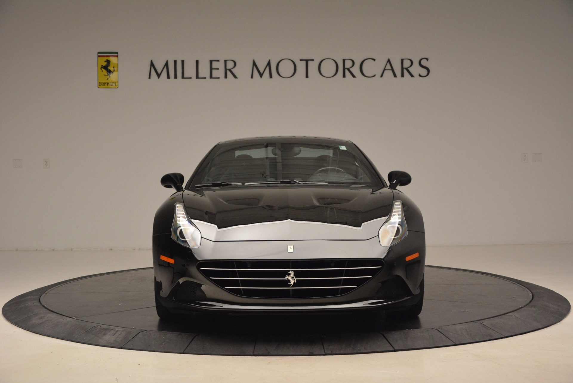 Used 2016 Ferrari California T  For Sale In Greenwich, CT. Alfa Romeo of Greenwich, 4425 1630_p24