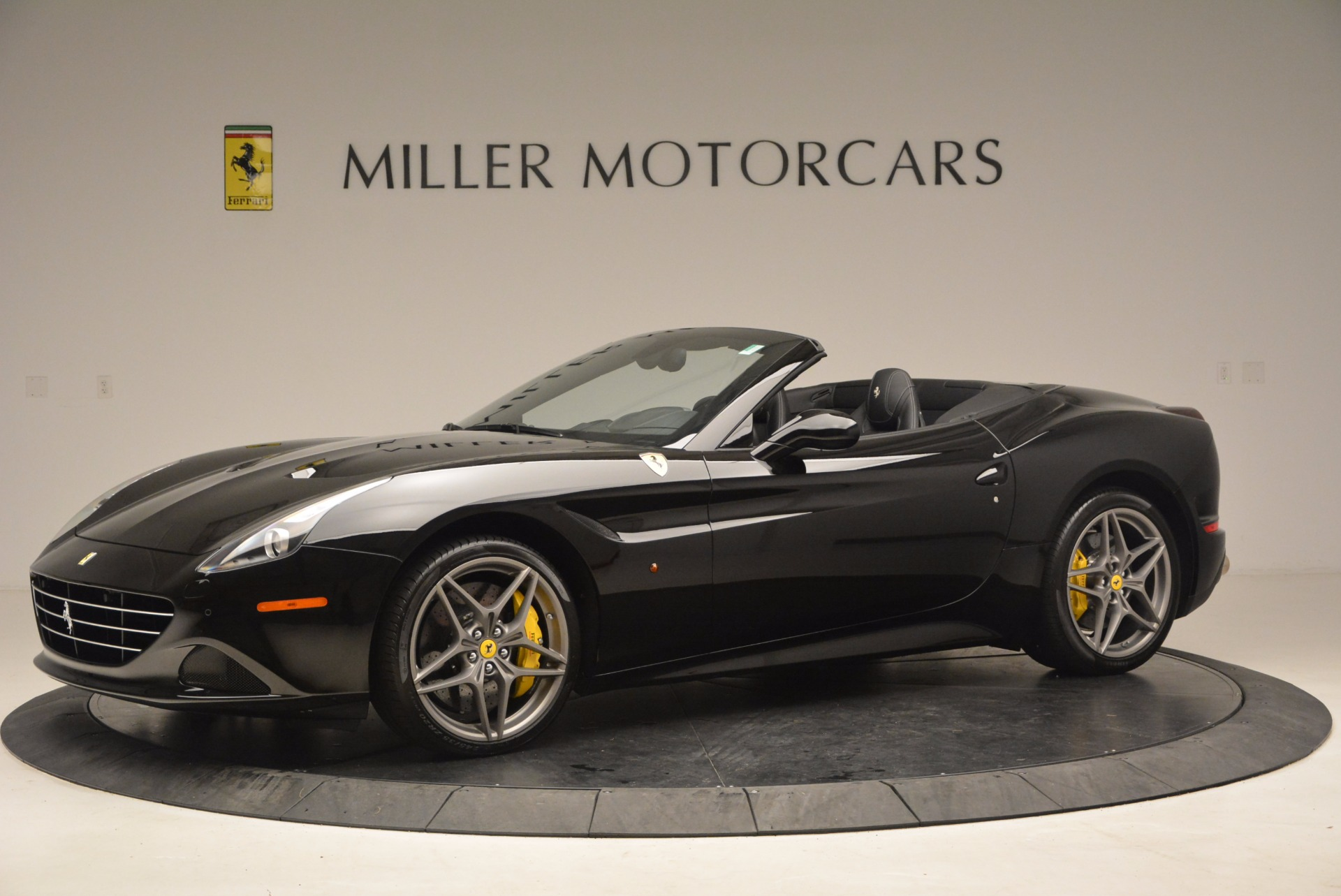 Used 2016 Ferrari California T  For Sale In Greenwich, CT. Alfa Romeo of Greenwich, 4425 1630_p2