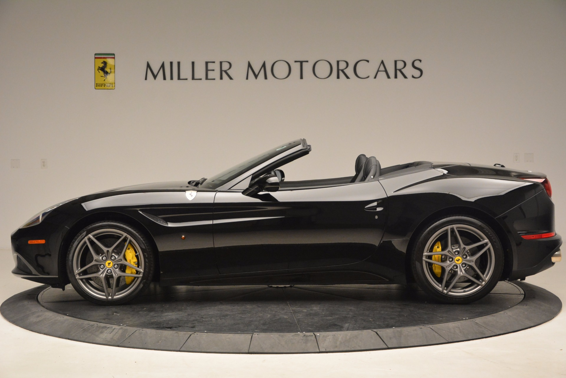 Used 2016 Ferrari California T  For Sale In Greenwich, CT. Alfa Romeo of Greenwich, 4425 1630_p3