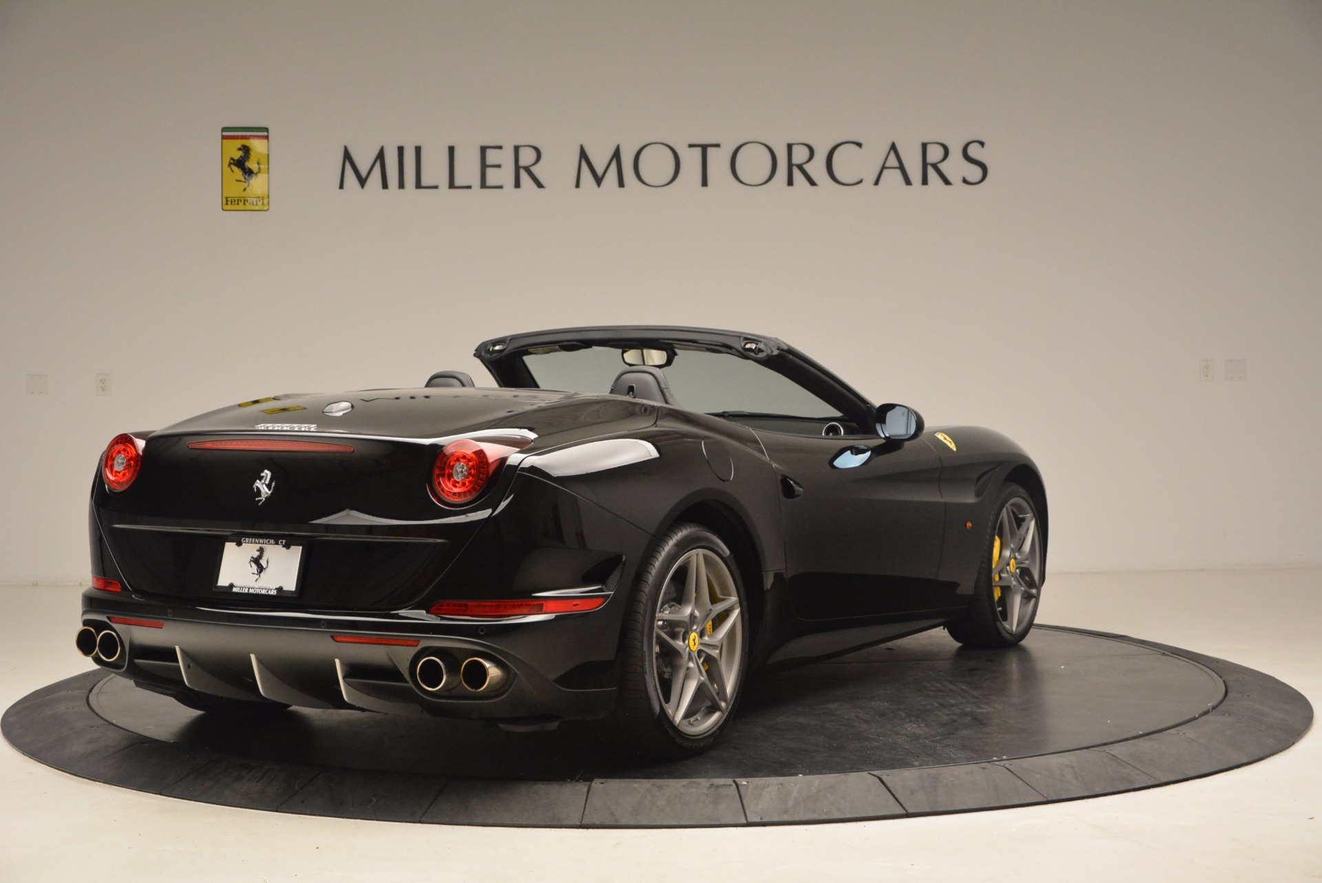 Used 2016 Ferrari California T  For Sale In Greenwich, CT. Alfa Romeo of Greenwich, 4425 1630_p7