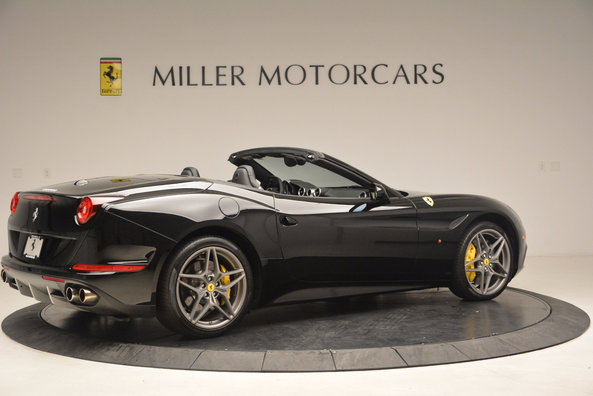 Used 2016 Ferrari California T  For Sale In Greenwich, CT. Alfa Romeo of Greenwich, 4425 1630_p8