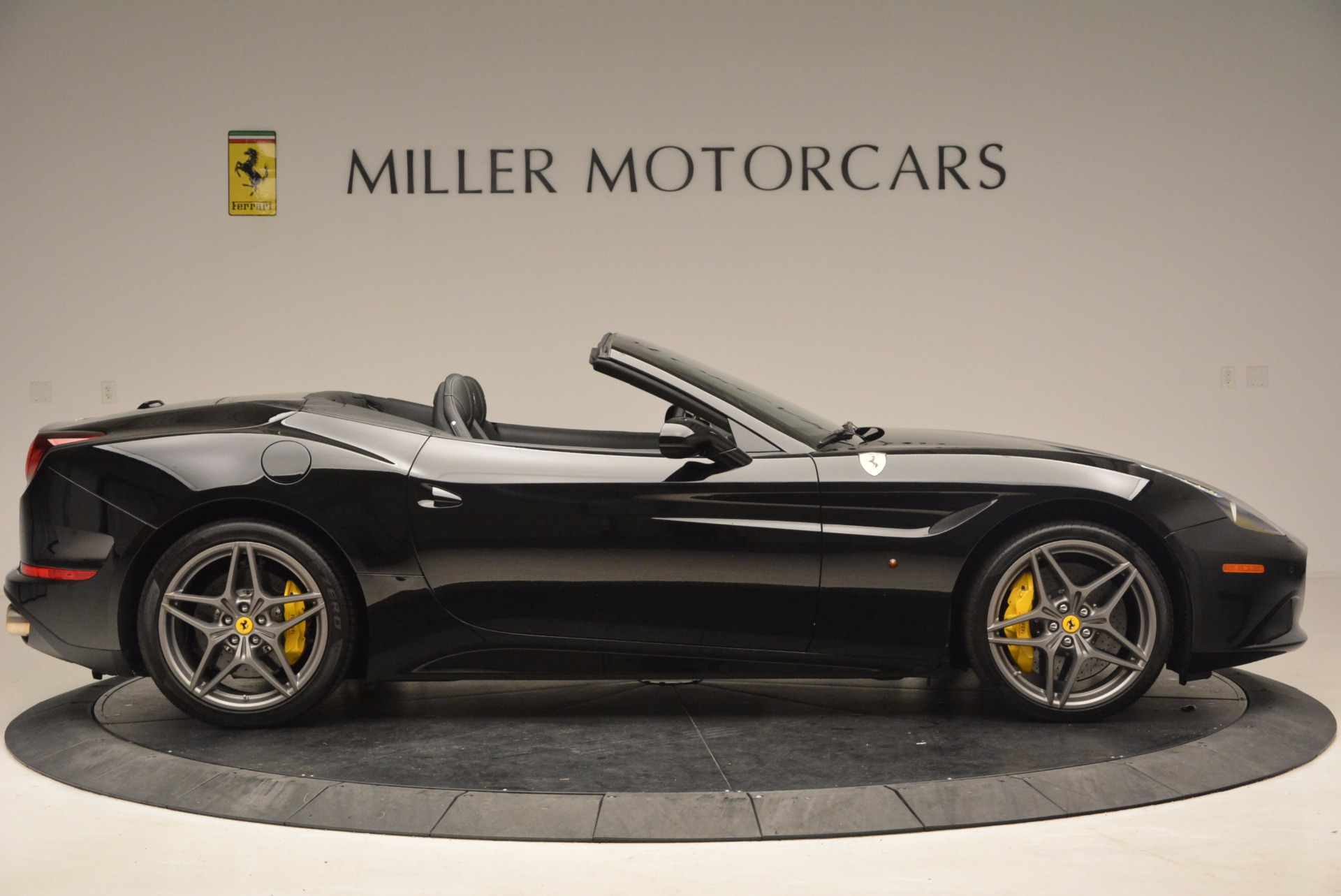 Used 2016 Ferrari California T  For Sale In Greenwich, CT. Alfa Romeo of Greenwich, 4425 1630_p9