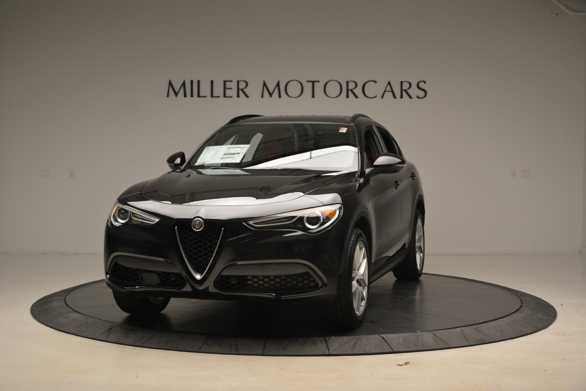 New 2018 Alfa Romeo Stelvio Sport Q4 For Sale In Greenwich, CT. Alfa Romeo of Greenwich, LW055