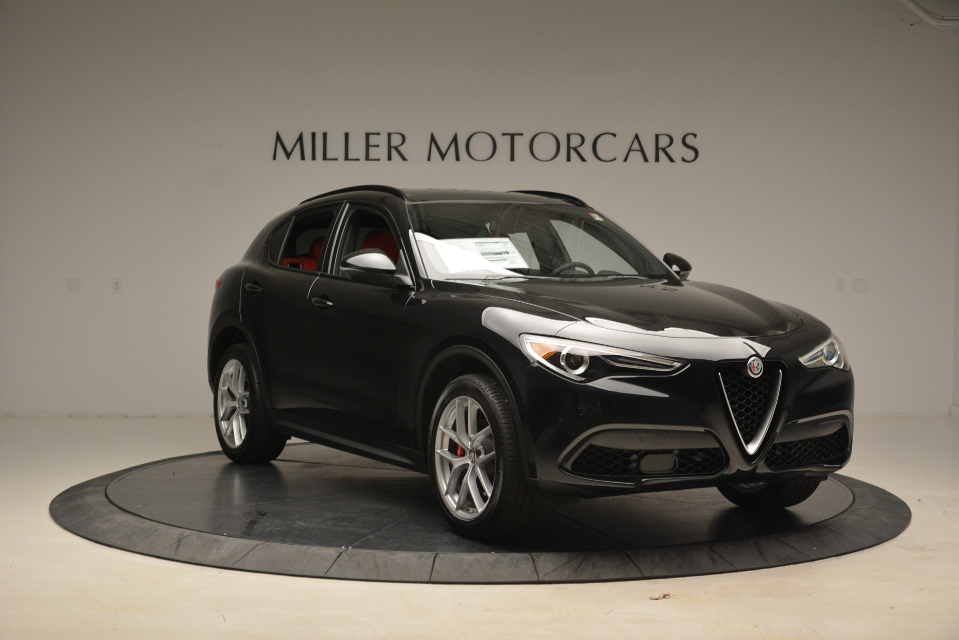 New 2018 Alfa Romeo Stelvio Sport Q4 For Sale In Greenwich, CT. Alfa Romeo of Greenwich, LW055 1635_p11