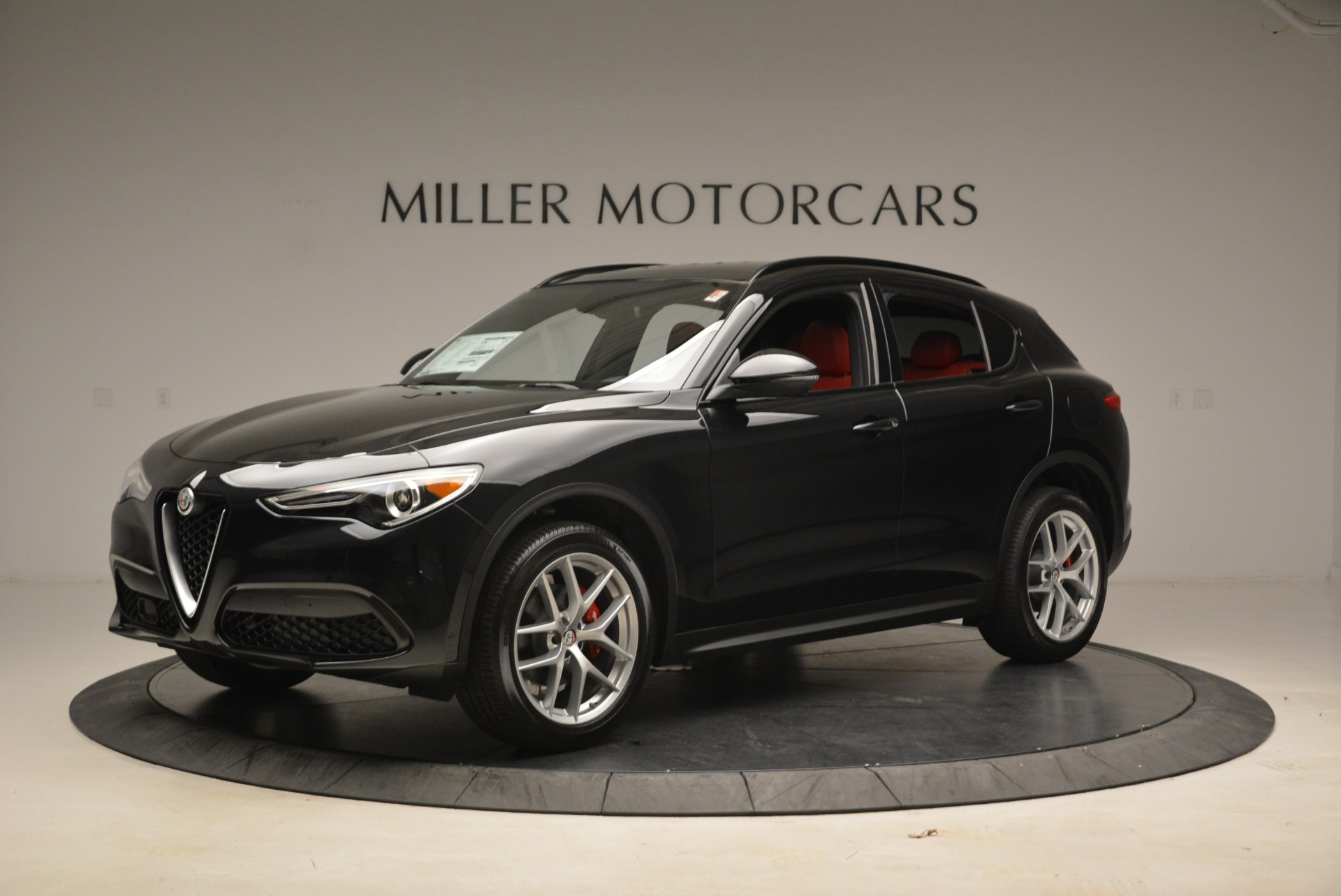 New 2018 Alfa Romeo Stelvio Sport Q4 For Sale In Greenwich, CT. Alfa Romeo of Greenwich, LW055 1635_p2