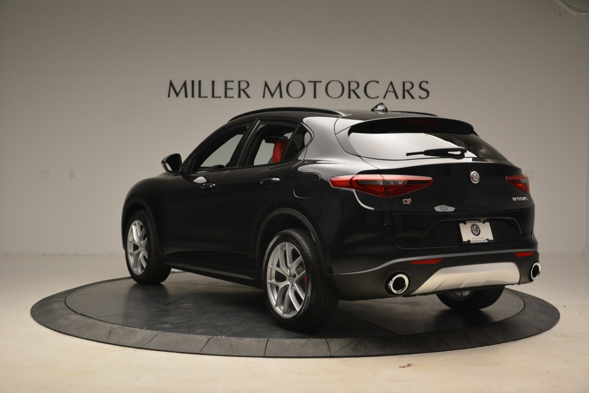 New 2018 Alfa Romeo Stelvio Sport Q4 For Sale In Greenwich, CT. Alfa Romeo of Greenwich, LW055 1635_p5