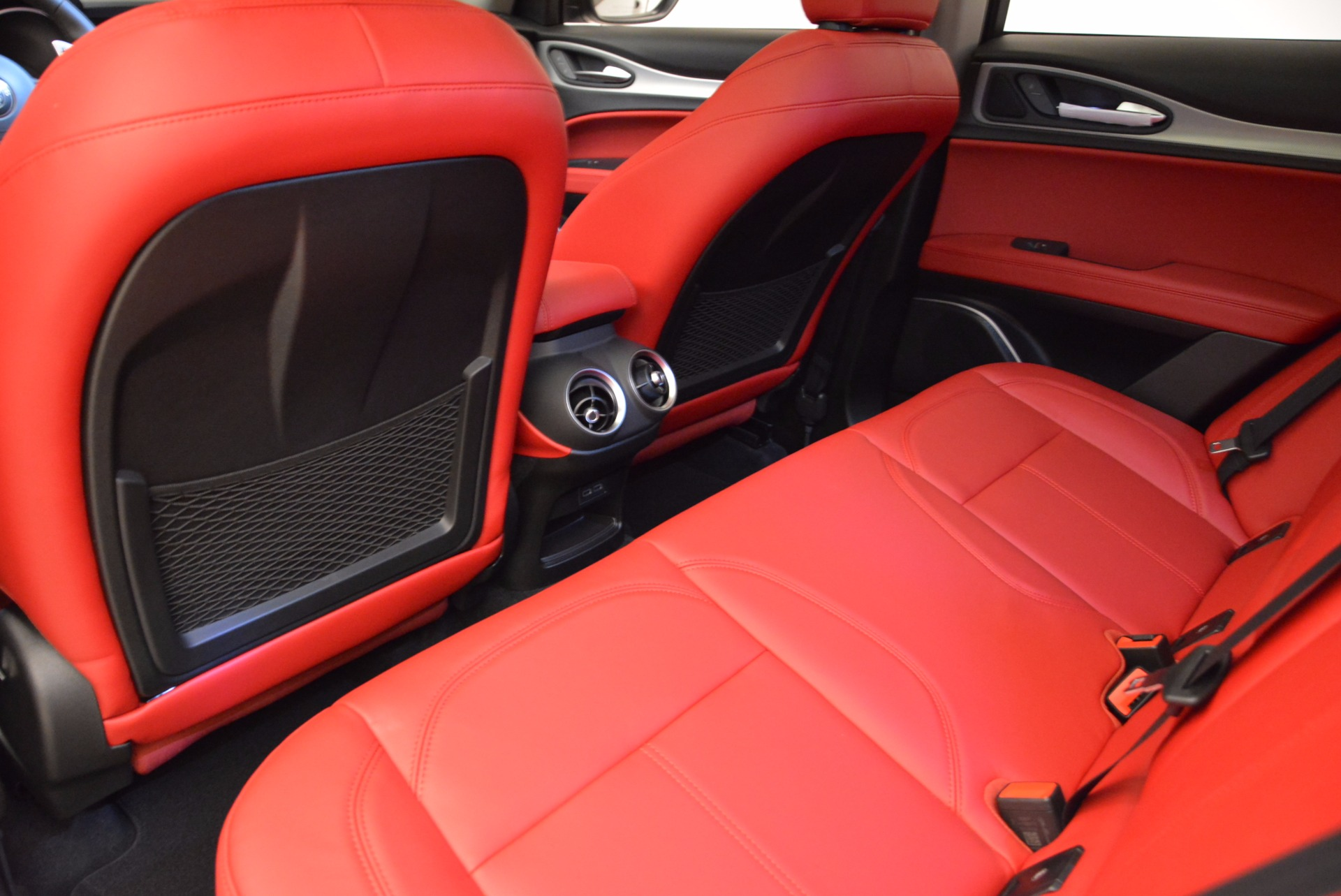 New 2018 Alfa Romeo Stelvio Sport Q4 For Sale In Greenwich, CT. Alfa Romeo of Greenwich, LW057 1642_p16