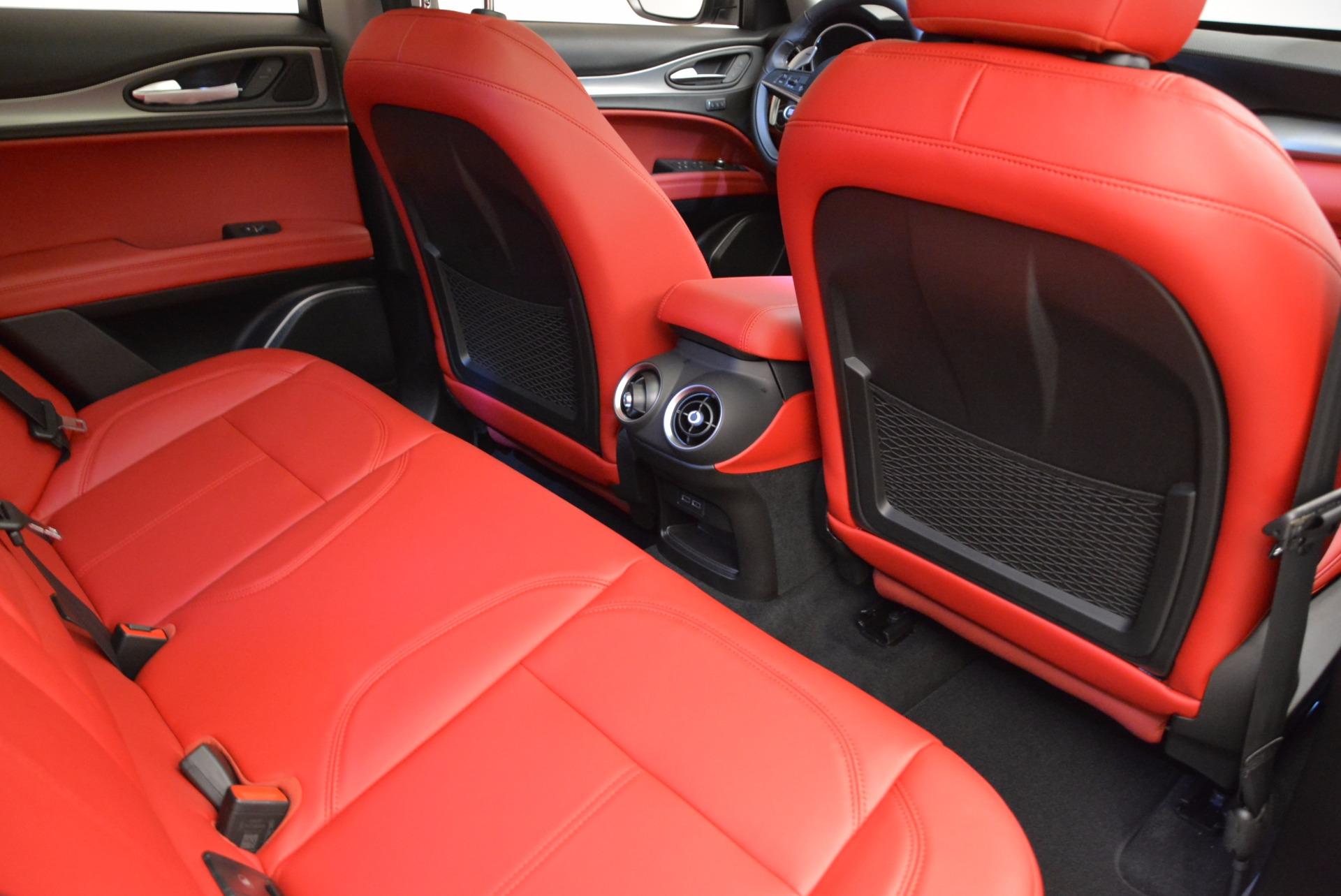 New 2018 Alfa Romeo Stelvio Sport Q4 For Sale In Greenwich, CT. Alfa Romeo of Greenwich, LW057 1642_p22