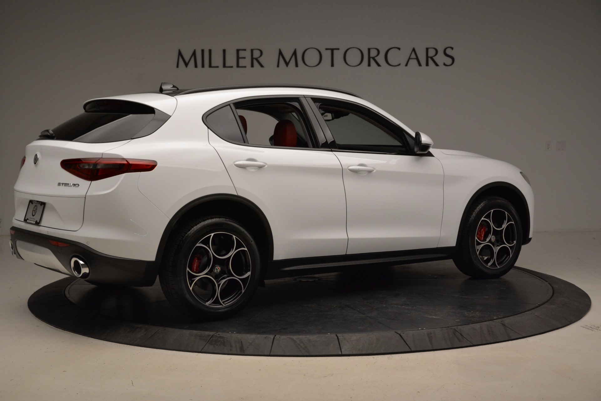 New 2018 Alfa Romeo Stelvio Sport Q4 For Sale In Greenwich, CT. Alfa Romeo of Greenwich, LW057 1642_p8