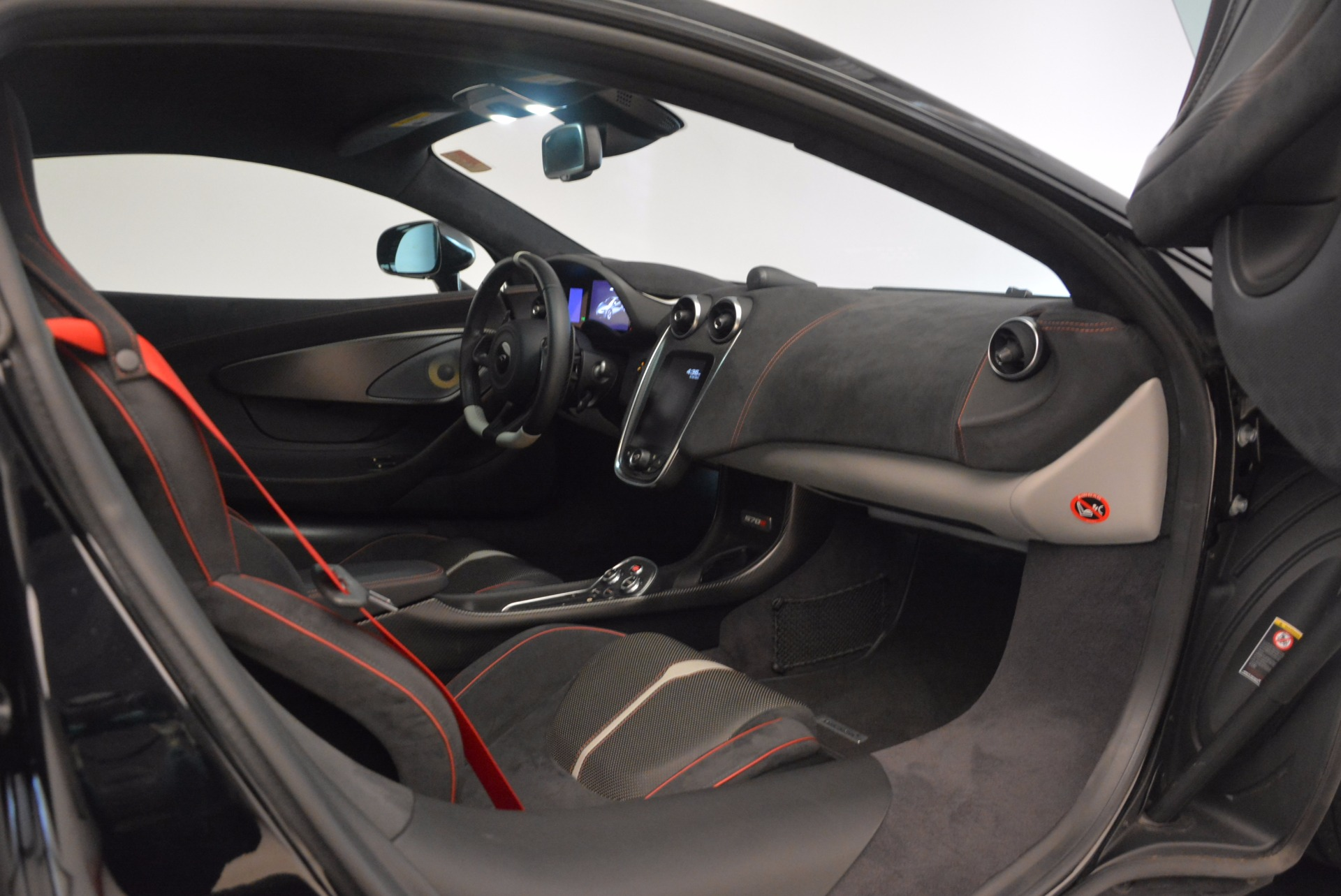 Used 2016 McLaren 570S  For Sale In Greenwich, CT. Alfa Romeo of Greenwich, 3114 1645_p20