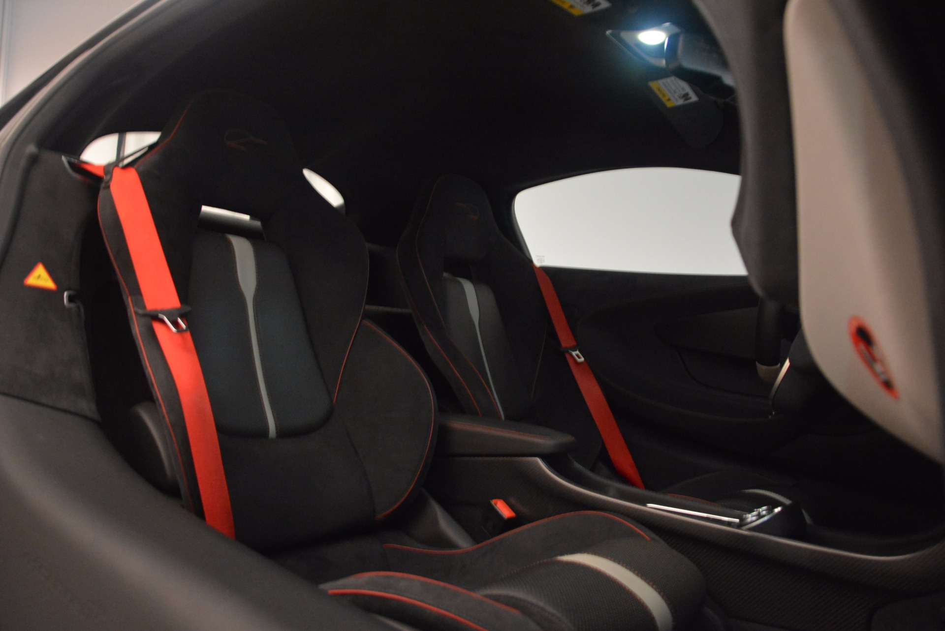 Used 2016 McLaren 570S  For Sale In Greenwich, CT. Alfa Romeo of Greenwich, 3114 1645_p21