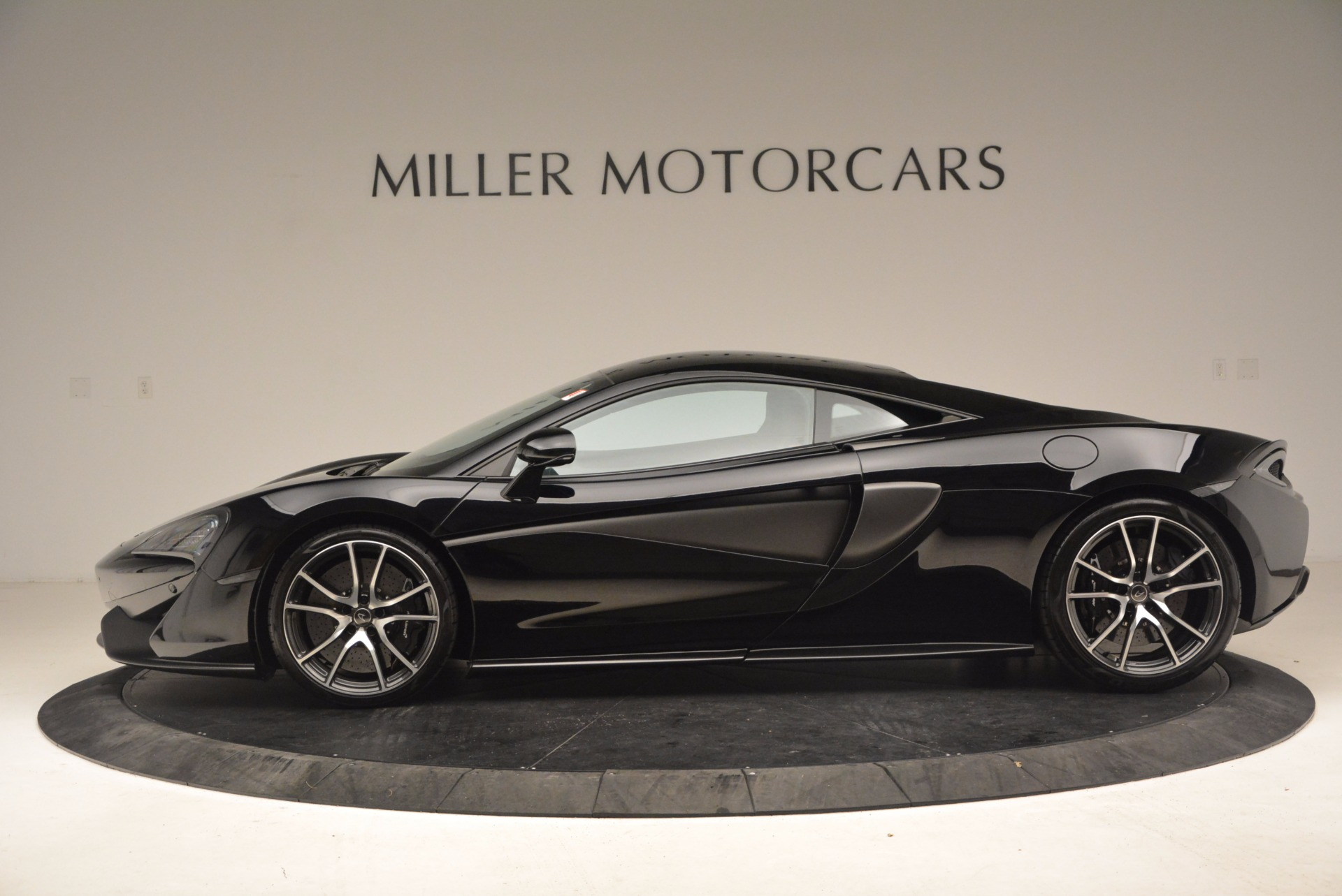 Used 2016 McLaren 570S  For Sale In Greenwich, CT. Alfa Romeo of Greenwich, 3114 1645_p3