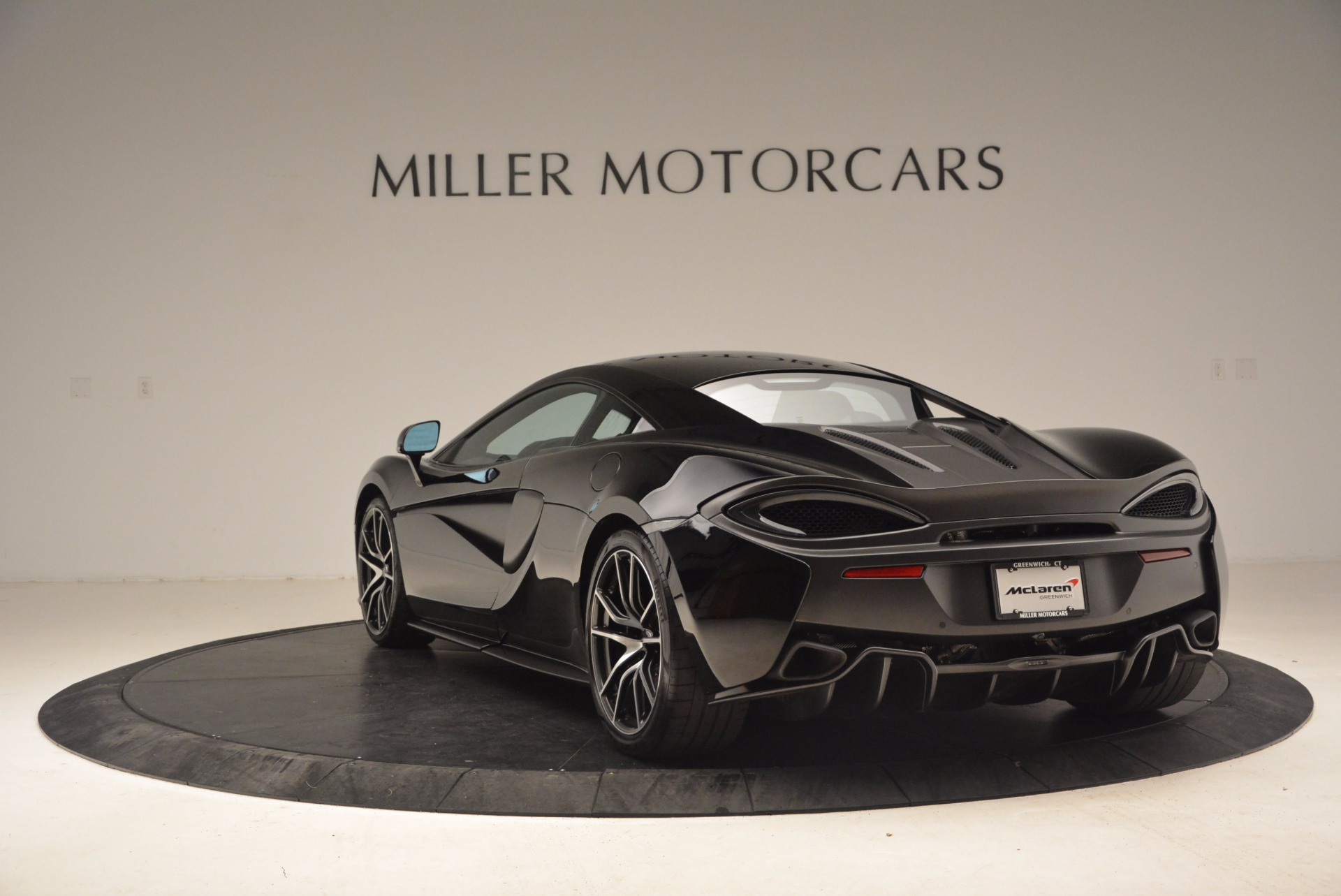 Used 2016 McLaren 570S  For Sale In Greenwich, CT. Alfa Romeo of Greenwich, 3114 1645_p5