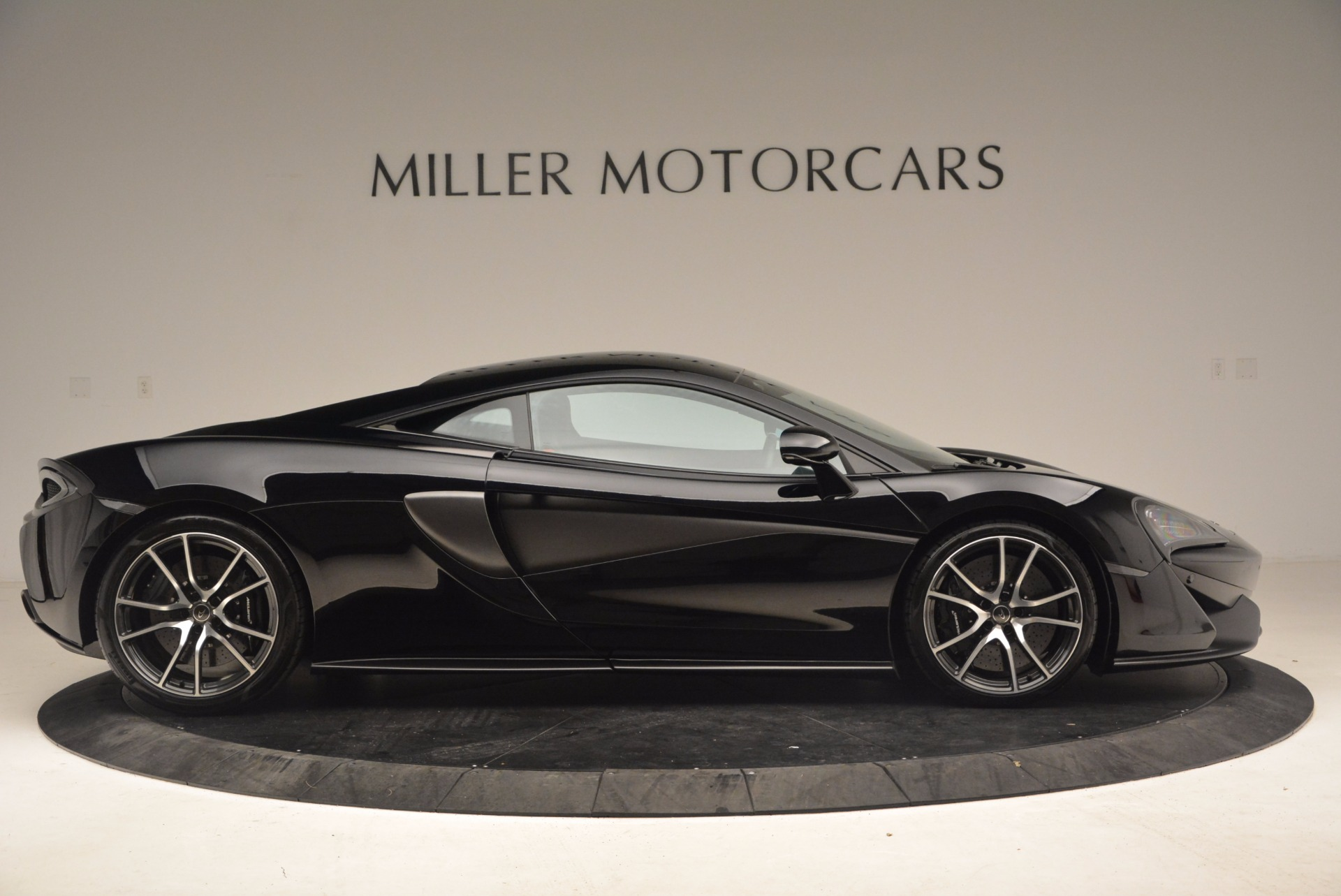 Used 2016 McLaren 570S  For Sale In Greenwich, CT. Alfa Romeo of Greenwich, 3114 1645_p9