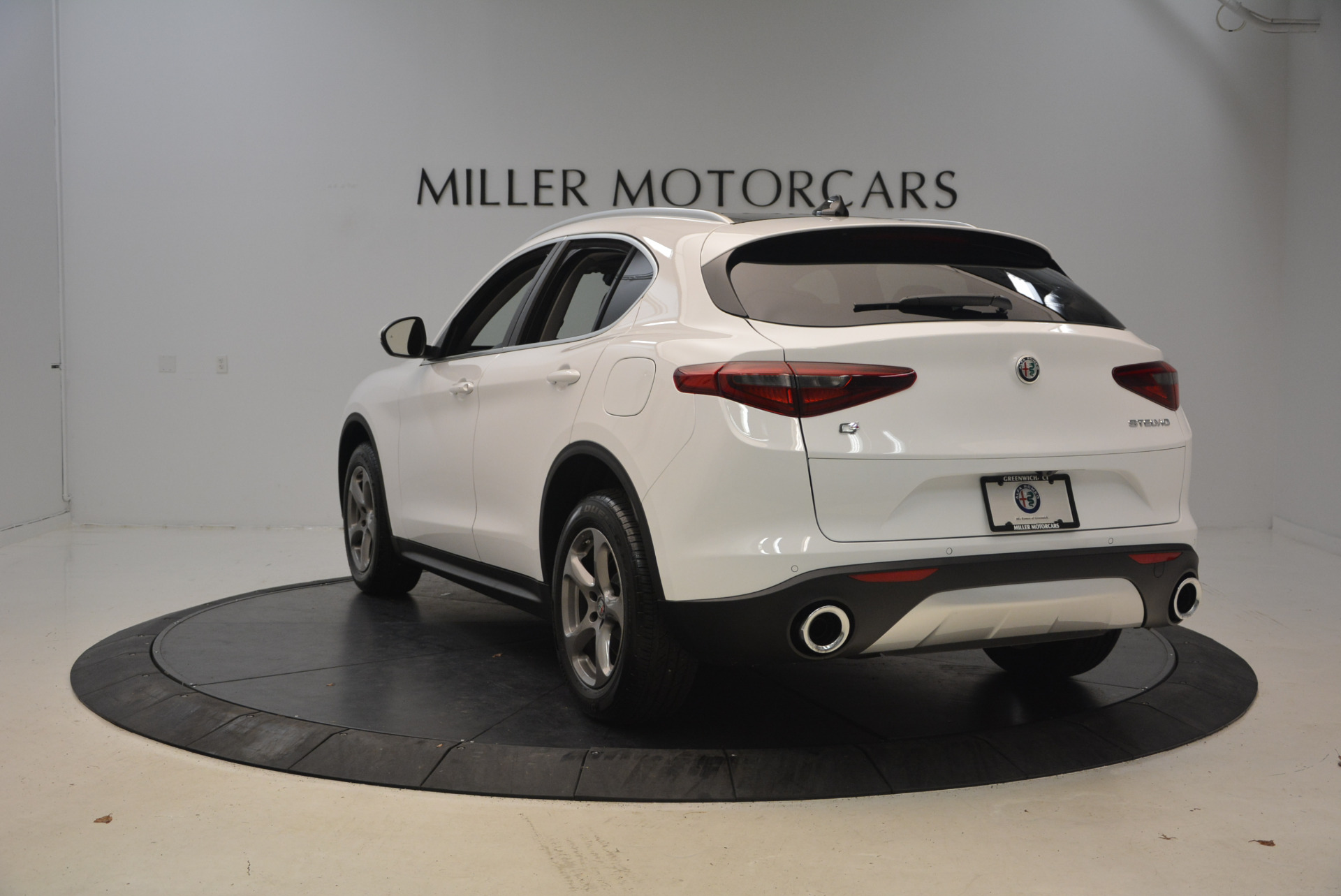New 2018 Alfa Romeo Stelvio Q4 For Sale In Greenwich, CT. Alfa Romeo of Greenwich, L253 1649_p5
