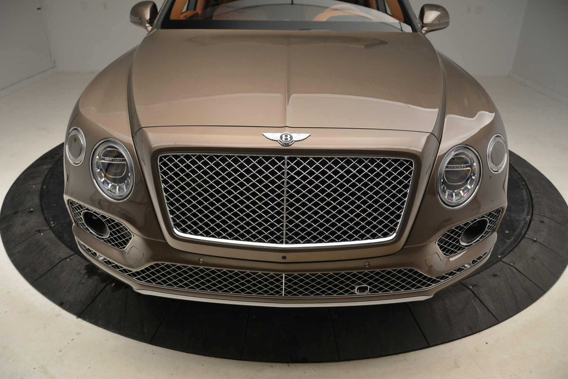 New 2018 Bentley Bentayga Signature For Sale In Greenwich, CT. Alfa Romeo of Greenwich, B1321 1654_p13