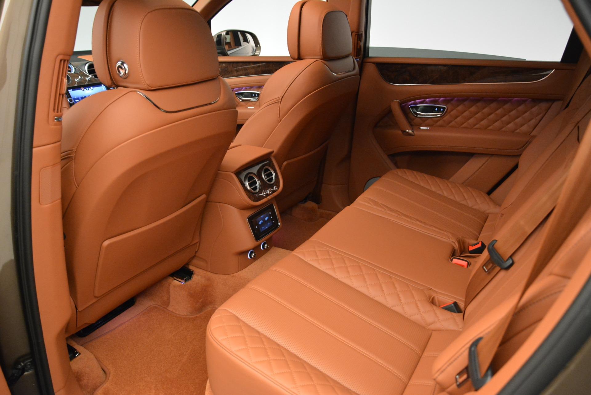 New 2018 Bentley Bentayga Signature For Sale In Greenwich, CT. Alfa Romeo of Greenwich, B1321 1654_p23