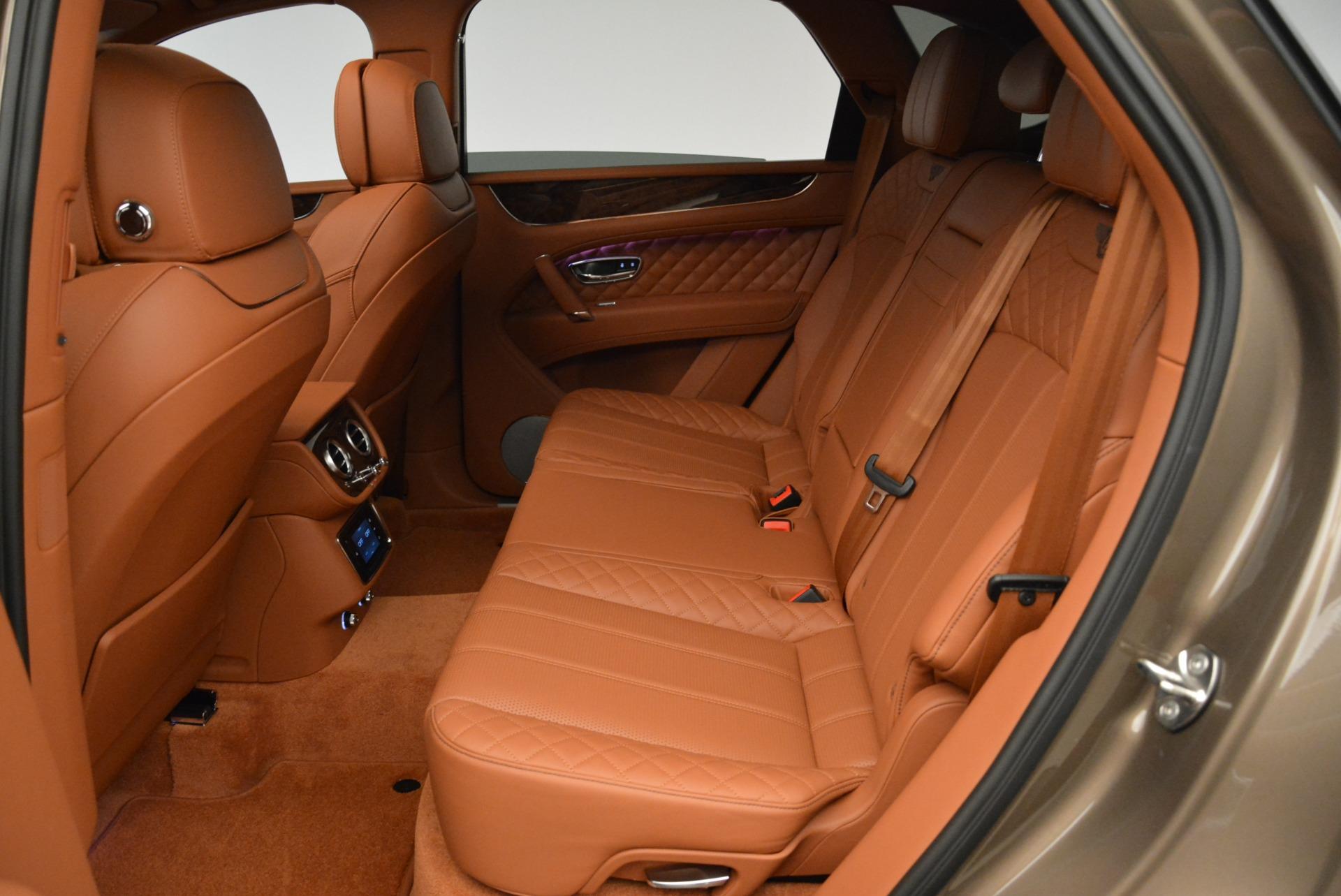 New 2018 Bentley Bentayga Signature For Sale In Greenwich, CT. Alfa Romeo of Greenwich, B1321 1654_p24