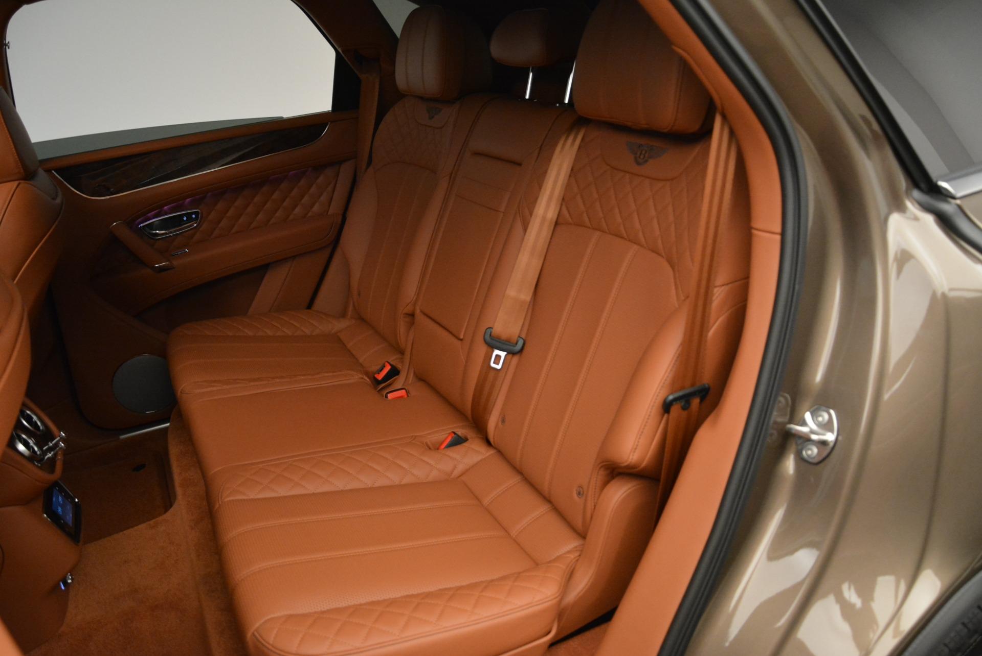 New 2018 Bentley Bentayga Signature For Sale In Greenwich, CT. Alfa Romeo of Greenwich, B1321 1654_p25