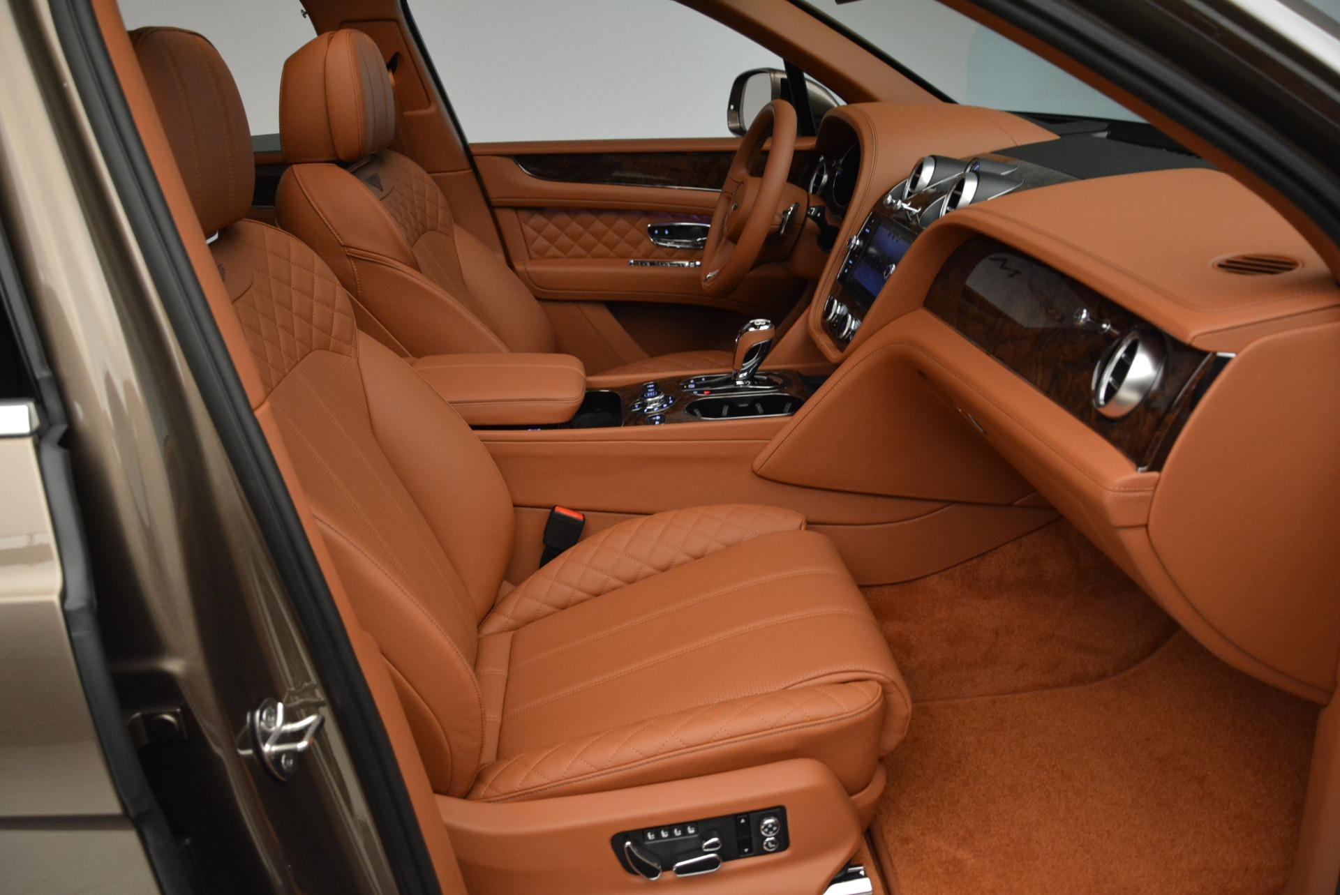 New 2018 Bentley Bentayga Signature For Sale In Greenwich, CT. Alfa Romeo of Greenwich, B1321 1654_p28
