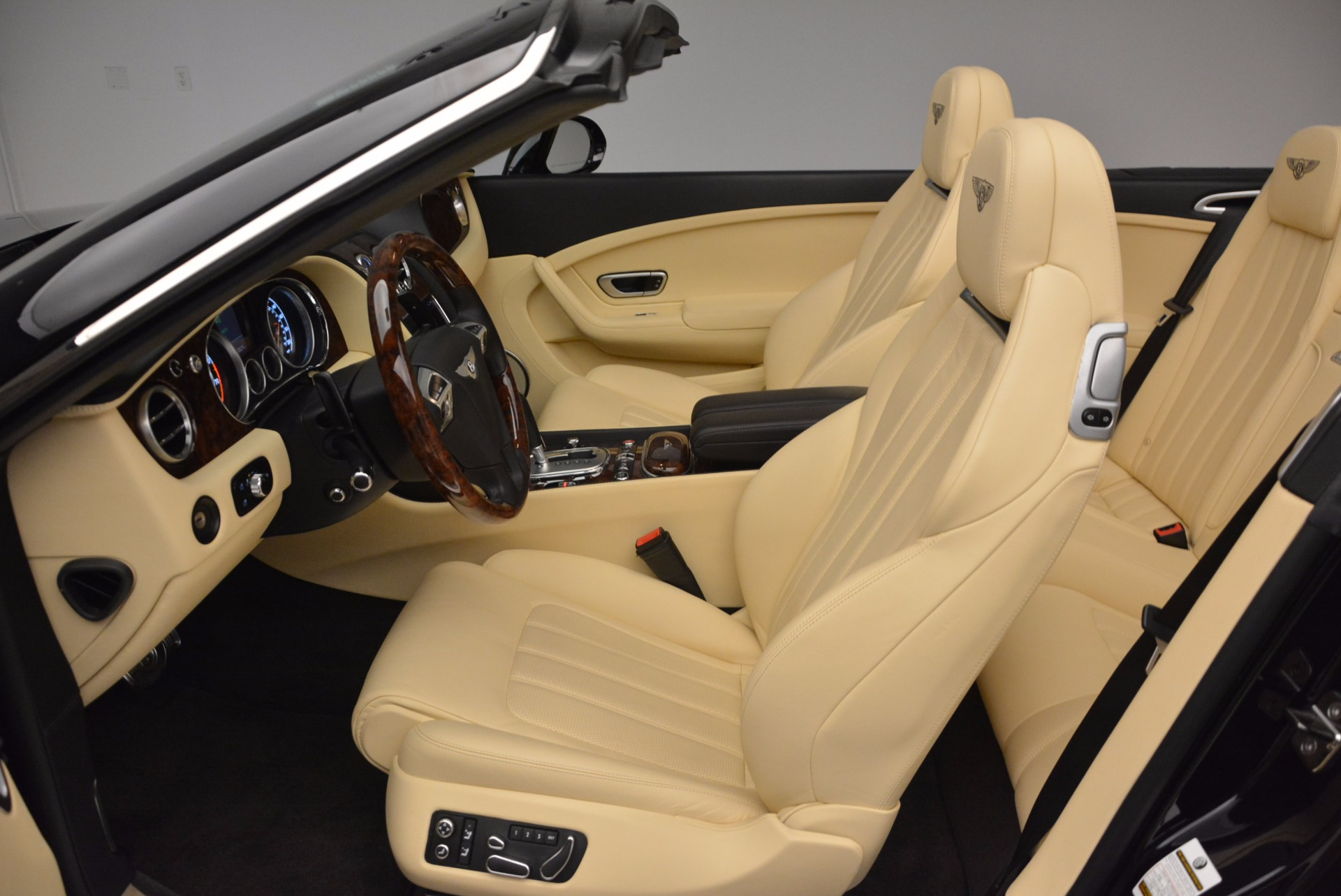 Used 2012 Bentley Continental GT W12 For Sale In Greenwich, CT. Alfa Romeo of Greenwich, 7286 1656_p30