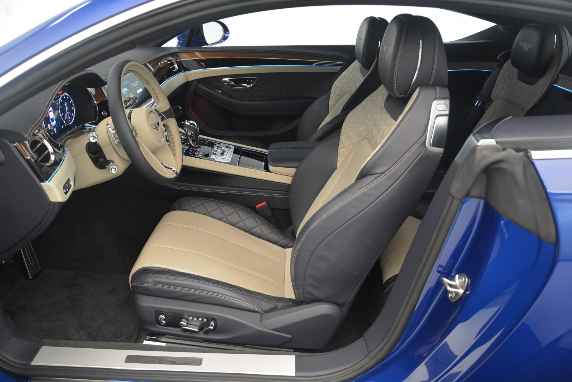 New 2020 Bentley Continental GT  For Sale In Greenwich, CT. Alfa Romeo of Greenwich, 20GT 1657_p28