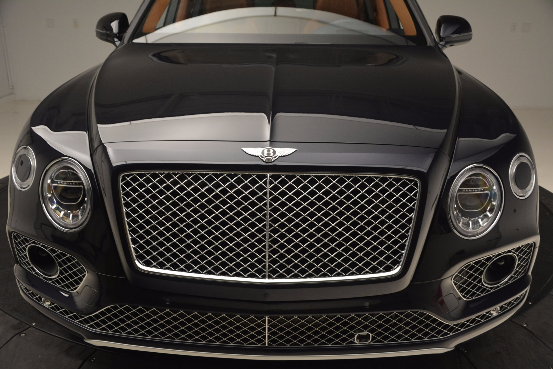 New 2018 Bentley Bentayga Signature For Sale In Greenwich, CT. Alfa Romeo of Greenwich, B1305 1675_p13