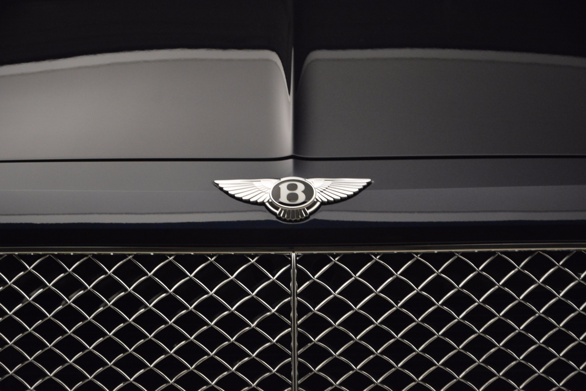 New 2018 Bentley Bentayga Signature For Sale In Greenwich, CT. Alfa Romeo of Greenwich, B1305 1675_p14