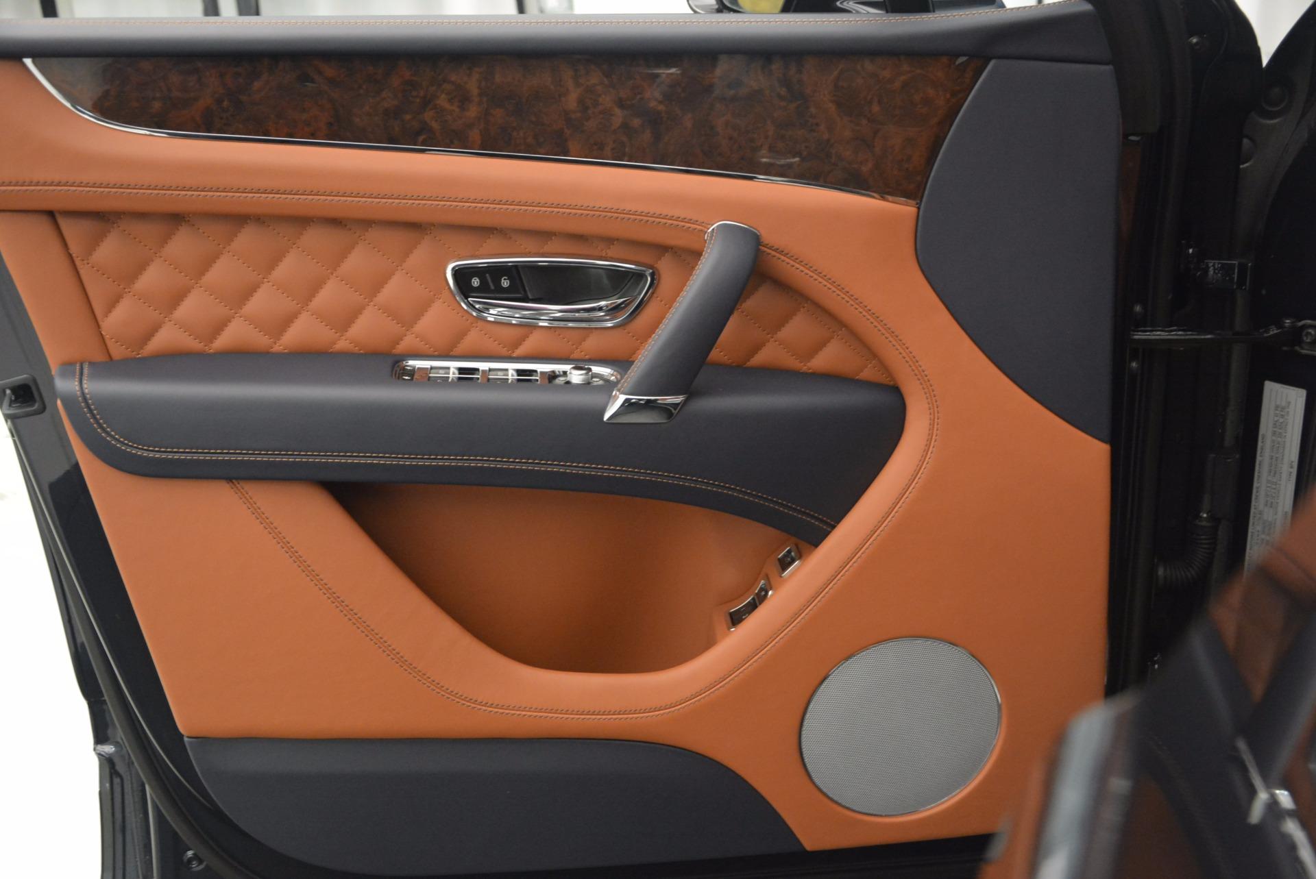 New 2018 Bentley Bentayga Signature For Sale In Greenwich, CT. Alfa Romeo of Greenwich, B1305 1675_p21