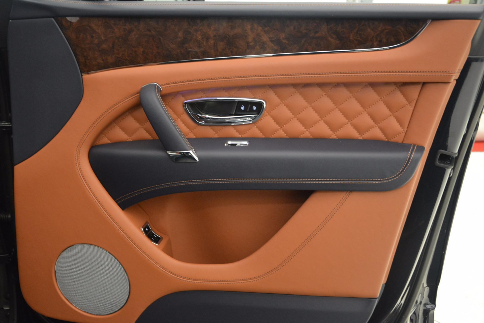 New 2018 Bentley Bentayga Signature For Sale In Greenwich, CT. Alfa Romeo of Greenwich, B1305 1675_p37