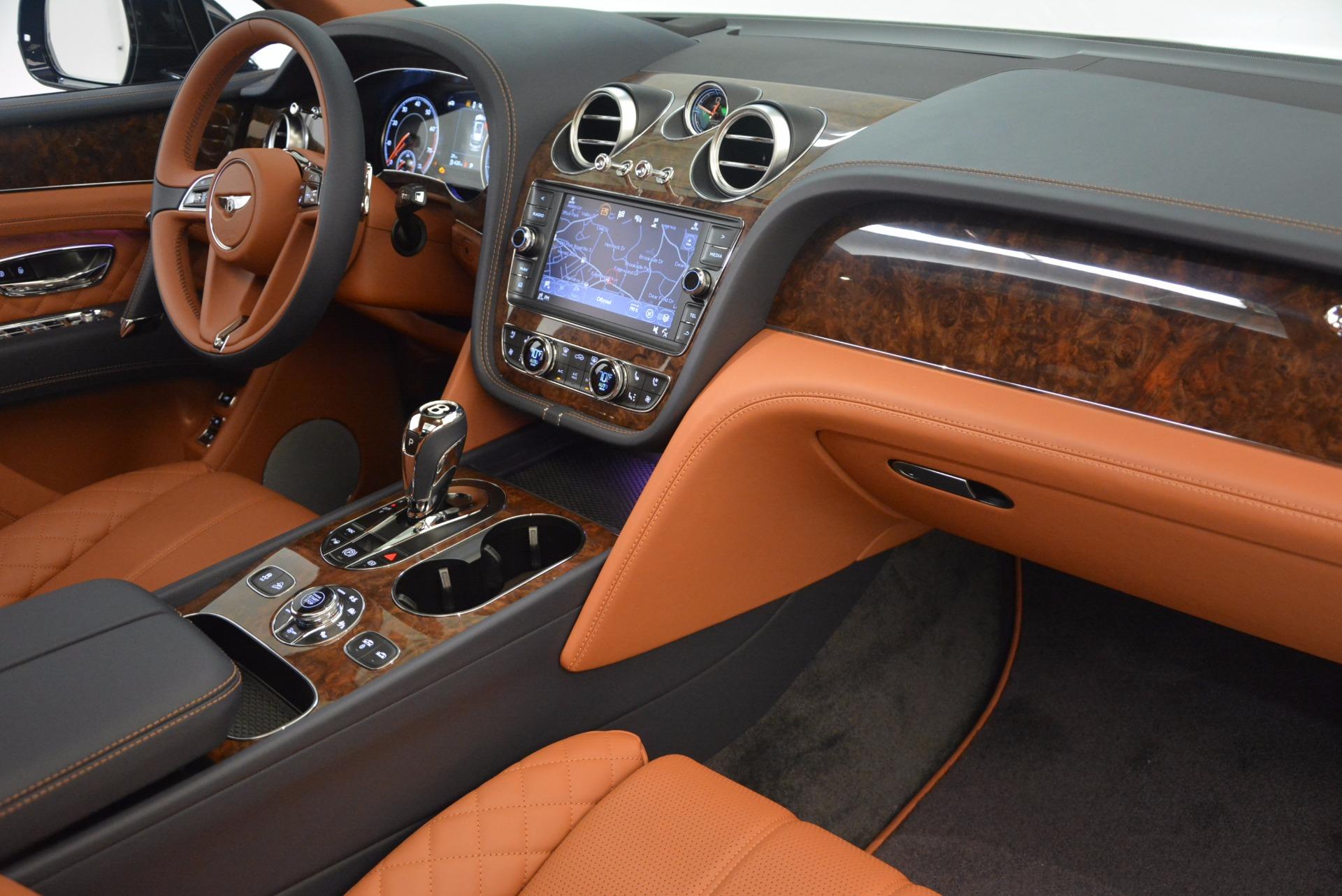 New 2018 Bentley Bentayga Signature For Sale In Greenwich, CT. Alfa Romeo of Greenwich, B1305 1675_p40